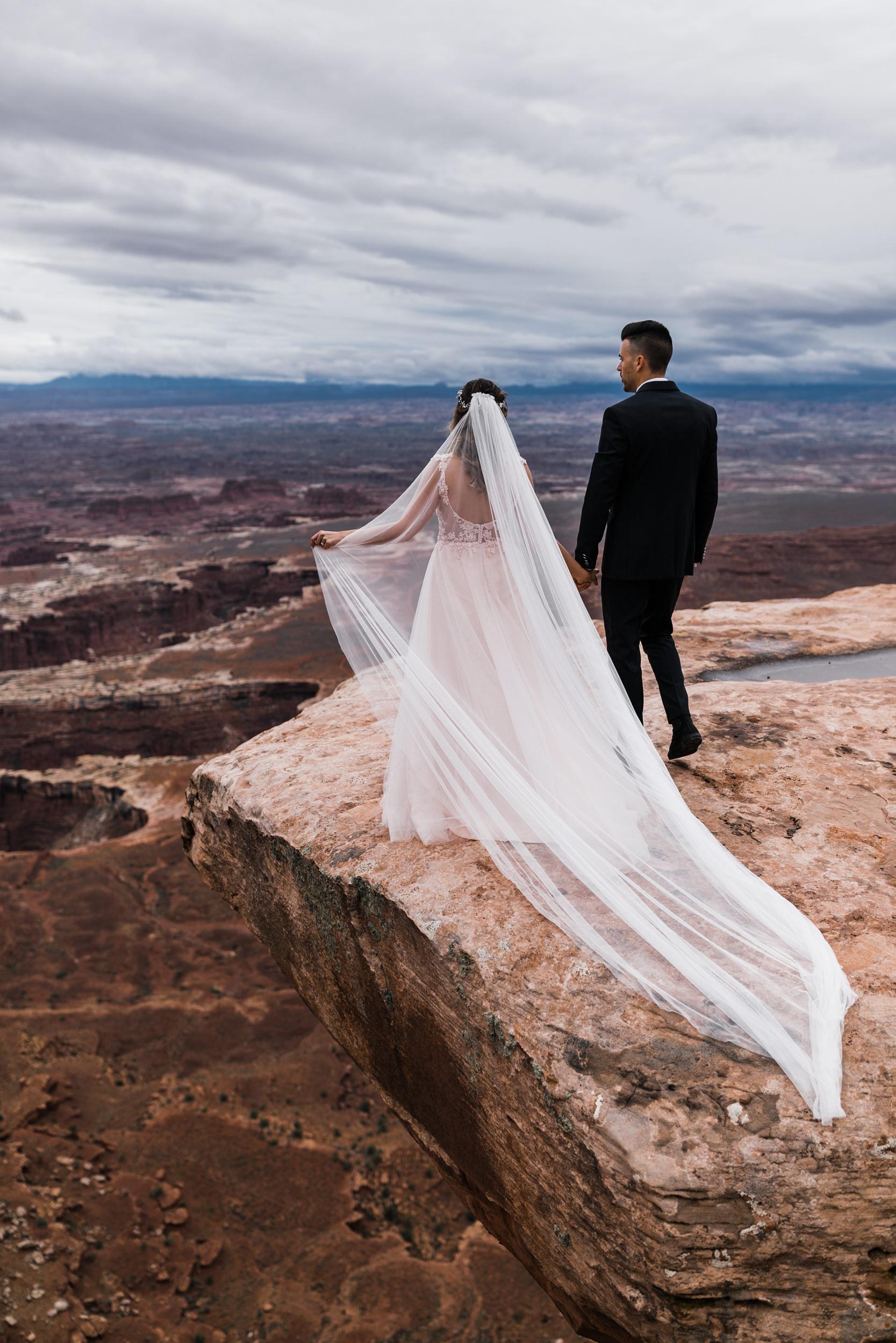 Hearnes-Elopement-Photography-Canyonlands-National-Park-Moab-Wedding-8.jpg