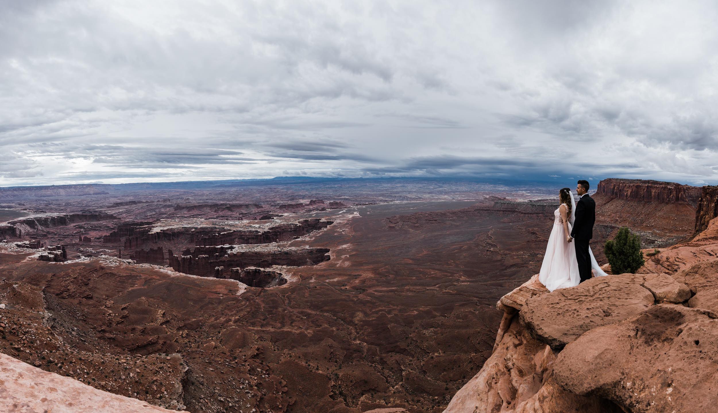 Hearnes-Elopement-Photography-Canyonlands-National-Park-Moab-Wedding-12.jpg