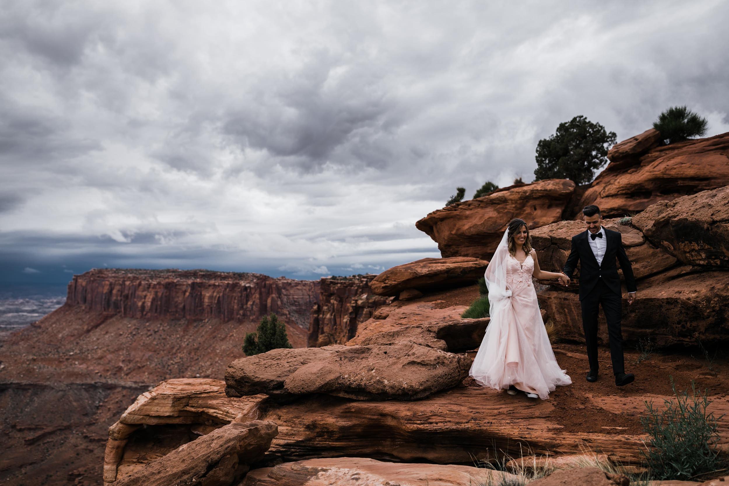 Hearnes-Elopement-Photography-Canyonlands-National-Park-Moab-Wedding-14.jpg
