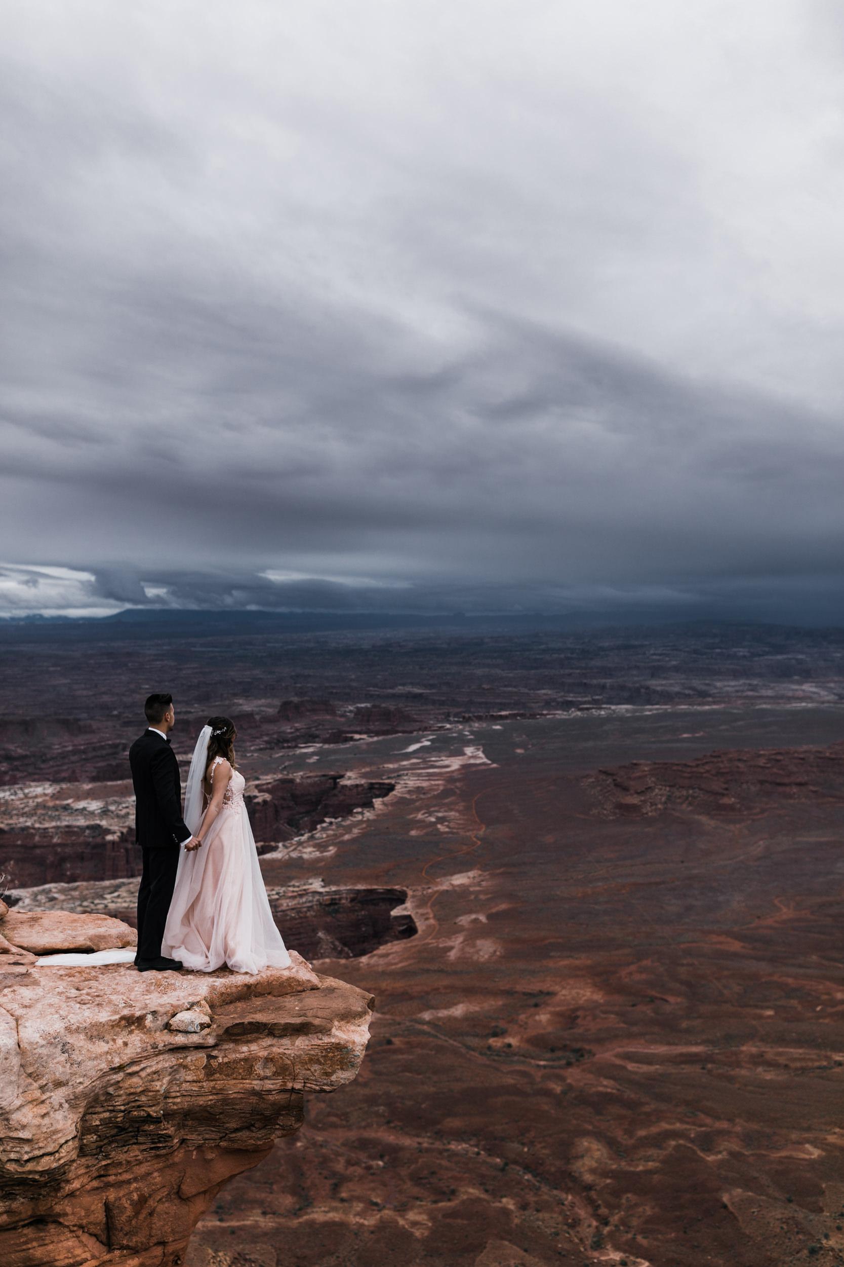 Hearnes-Elopement-Photography-Canyonlands-National-Park-Moab-Wedding-19.jpg
