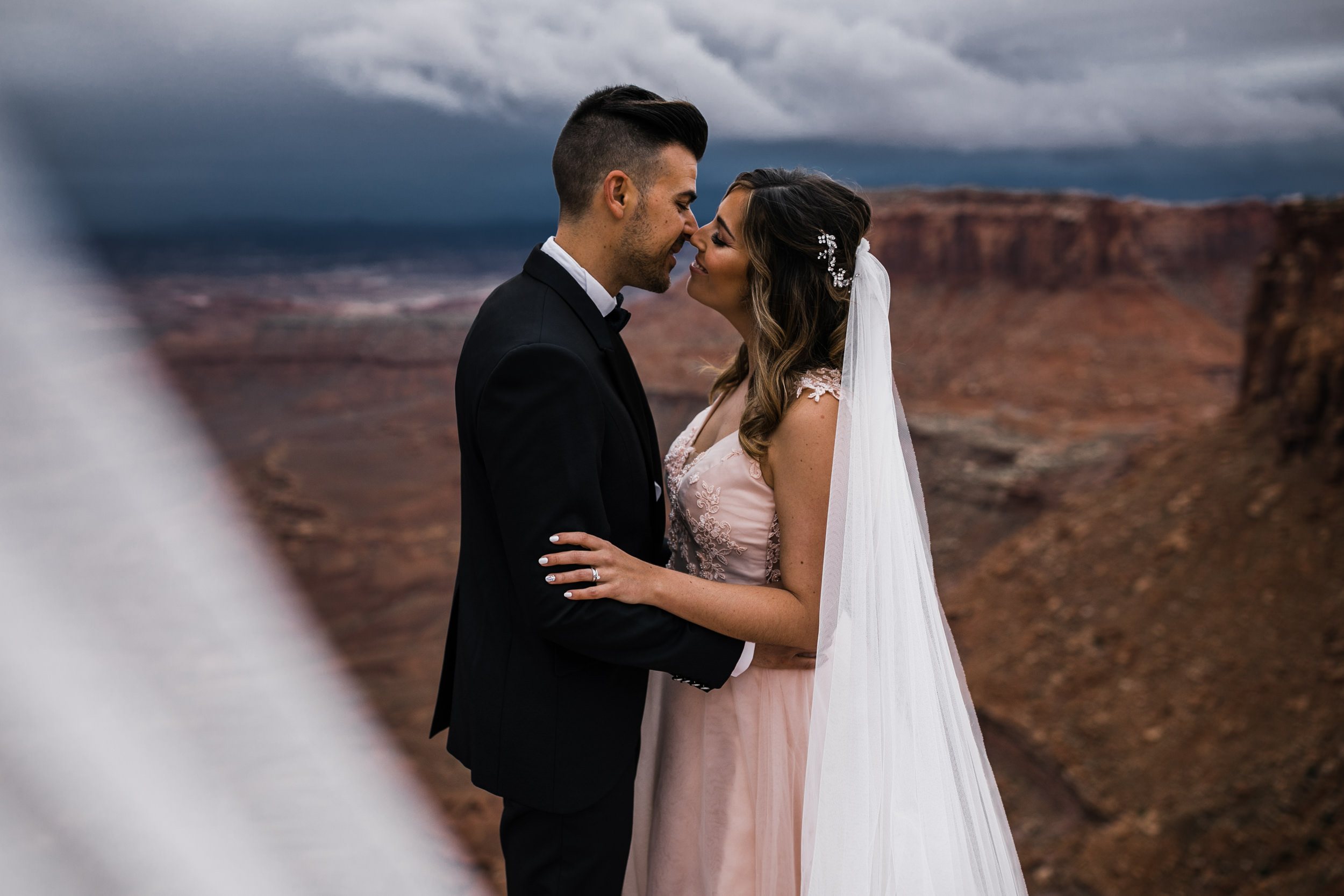 Hearnes-Elopement-Photography-Canyonlands-National-Park-Moab-Wedding-21.jpg