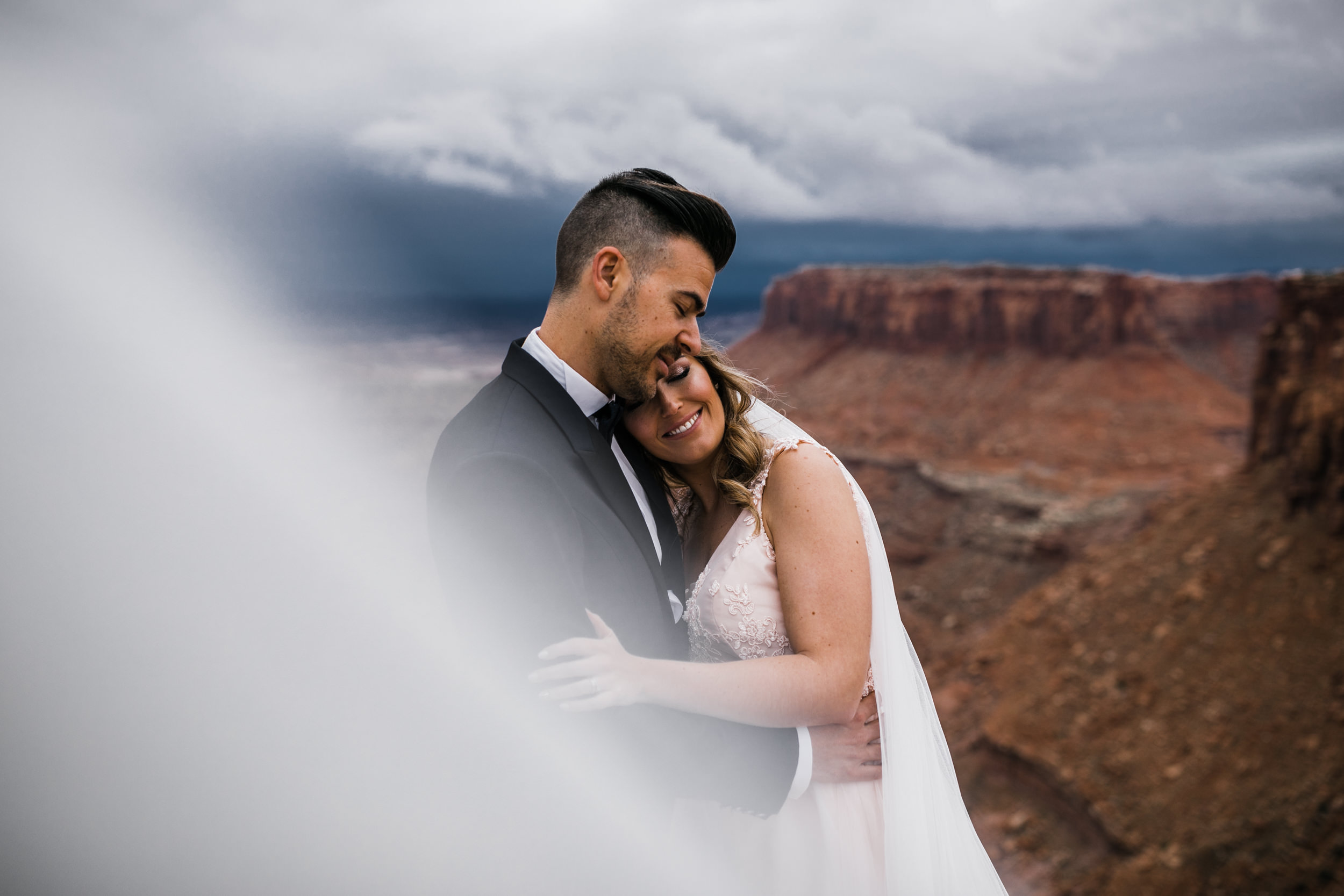 Hearnes-Elopement-Photography-Canyonlands-National-Park-Moab-Wedding-24.jpg