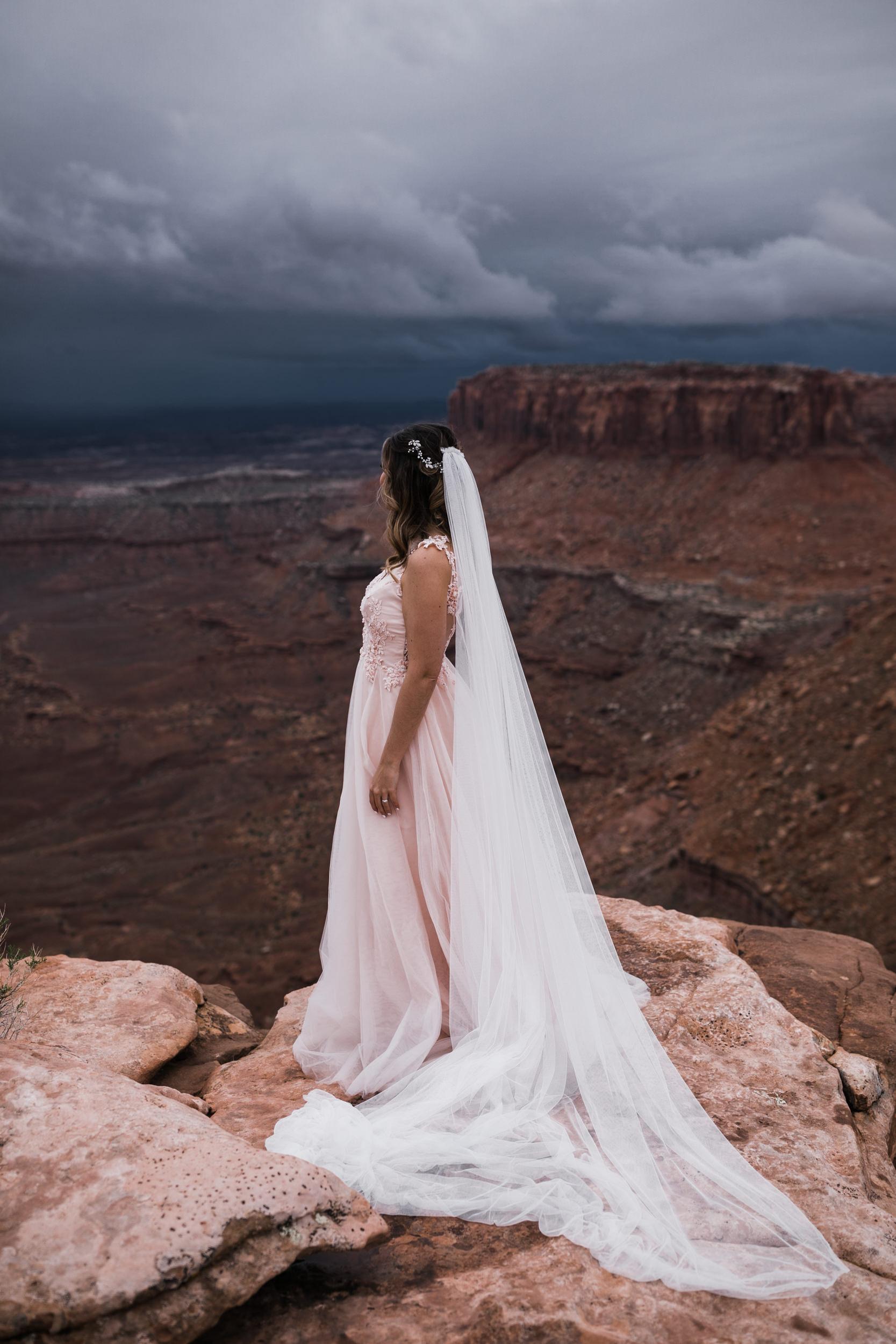 Hearnes-Elopement-Photography-Canyonlands-National-Park-Moab-Wedding-27.jpg