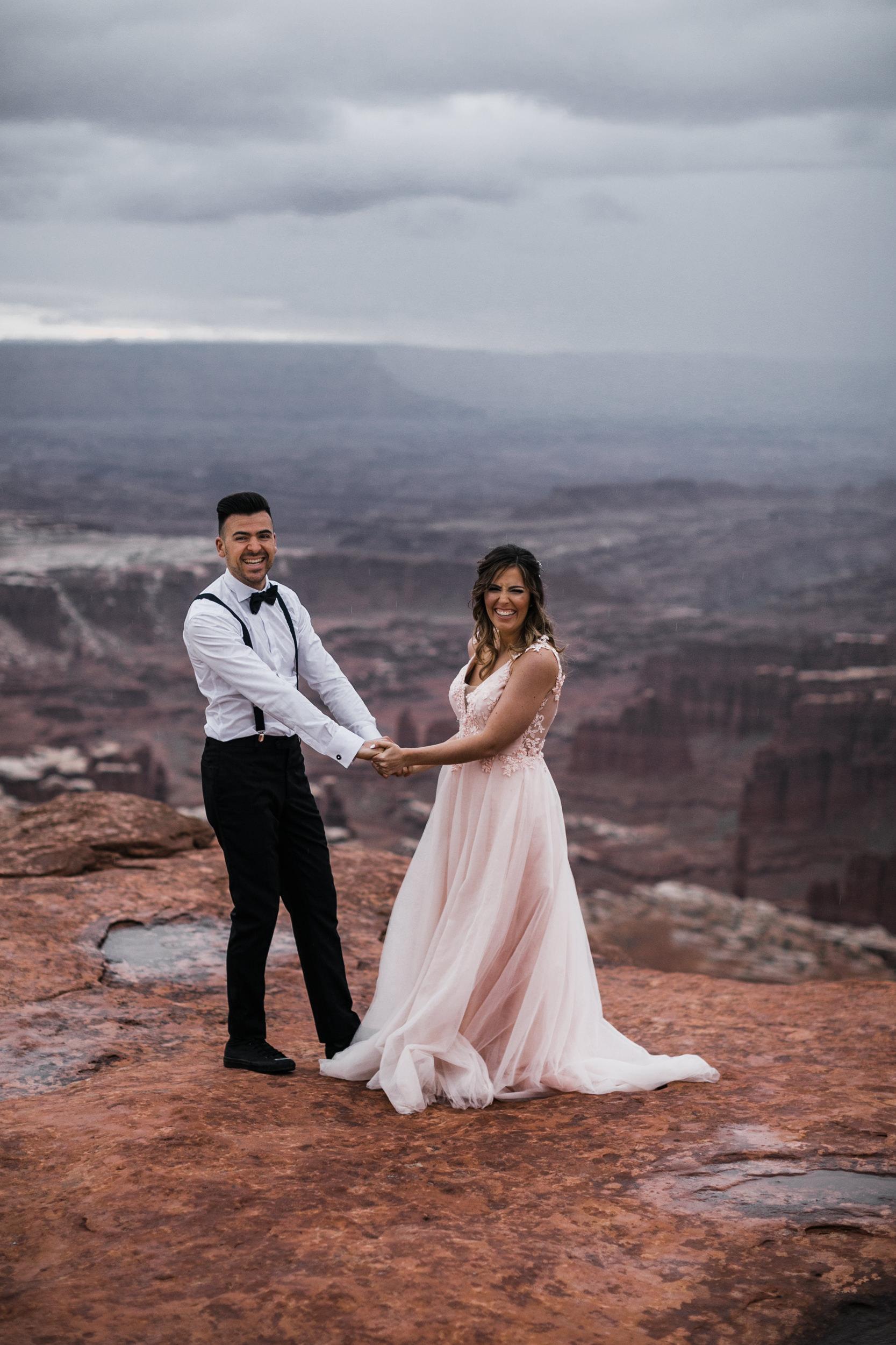 Hearnes-Elopement-Photography-Canyonlands-National-Park-Moab-Wedding-31.jpg