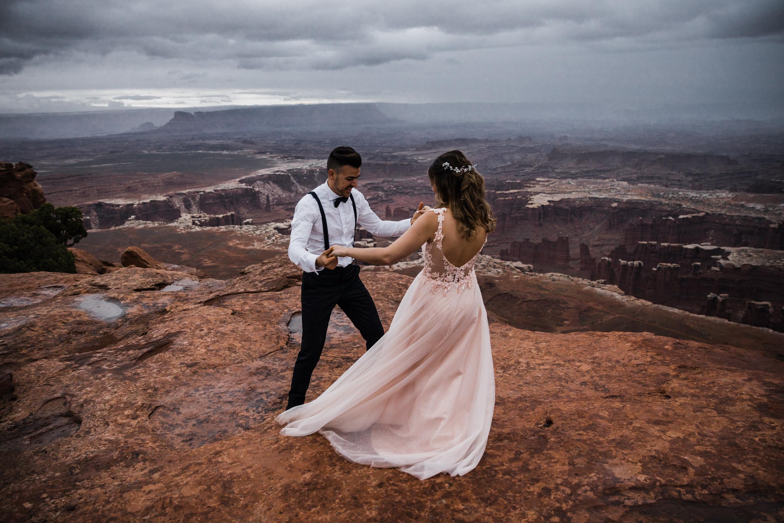 Hearnes-Elopement-Photography-Canyonlands-National-Park-Moab-Wedding-30.jpg