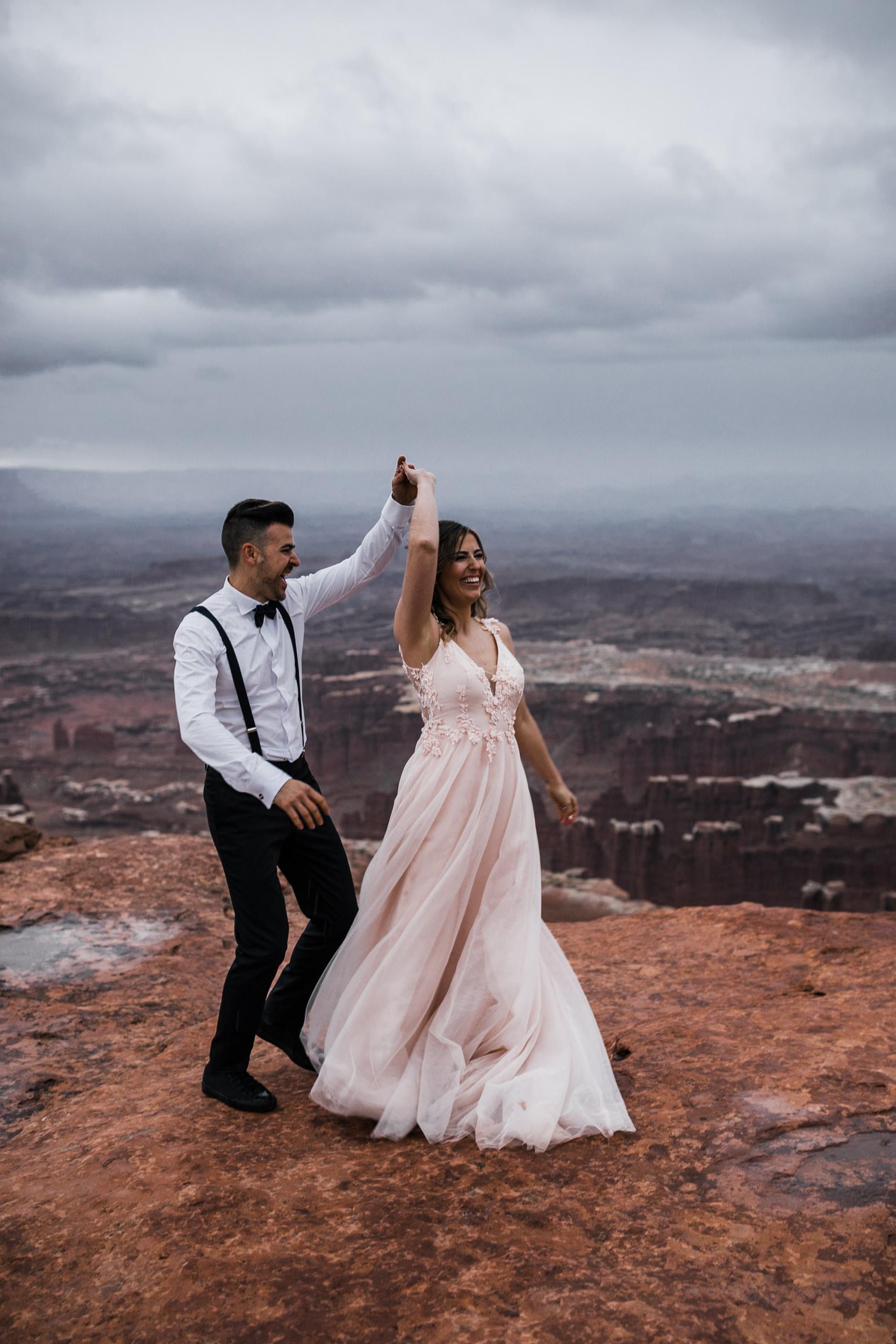 Hearnes-Elopement-Photography-Canyonlands-National-Park-Moab-Wedding-33.jpg