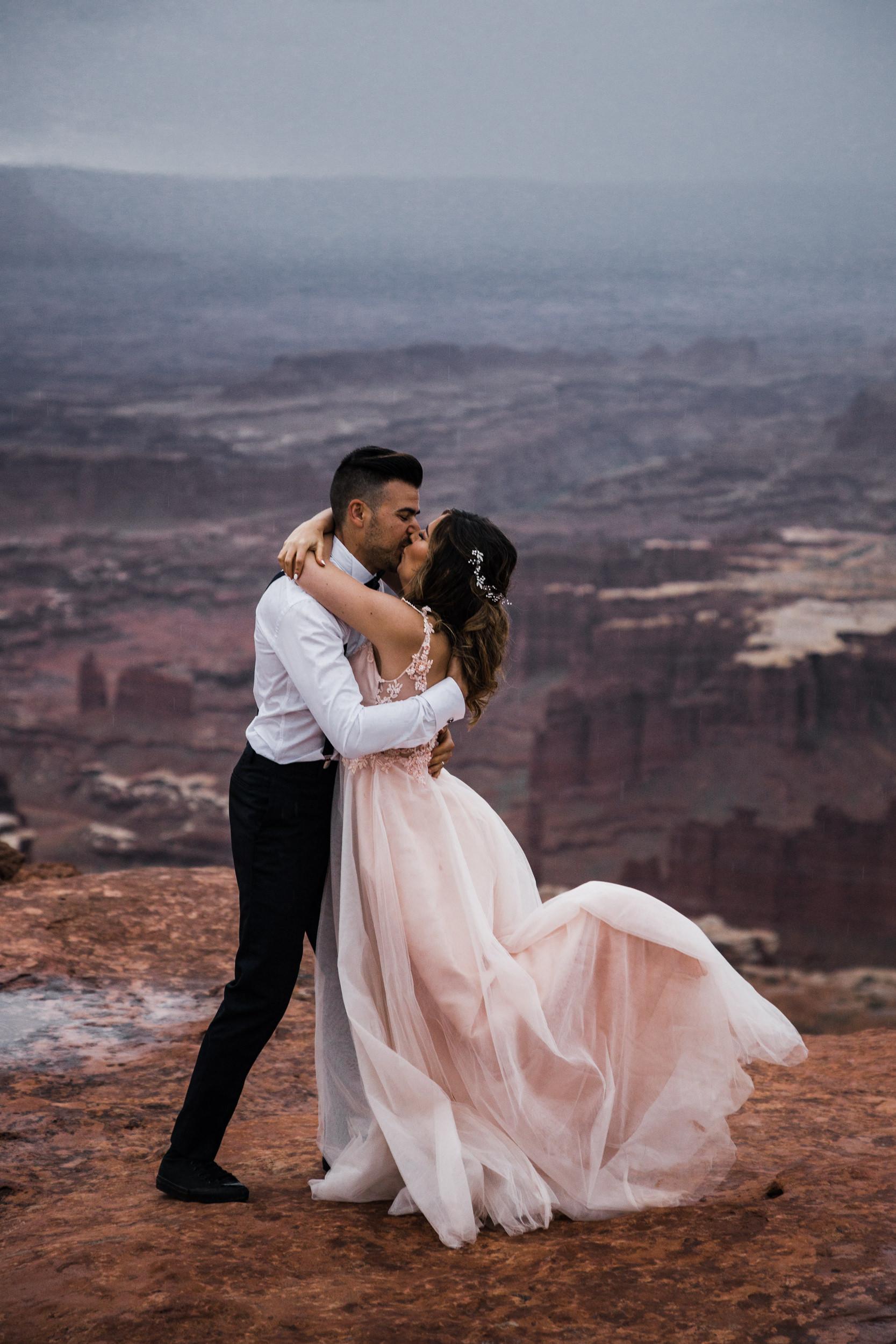 Hearnes-Elopement-Photography-Canyonlands-National-Park-Moab-Wedding-32.jpg