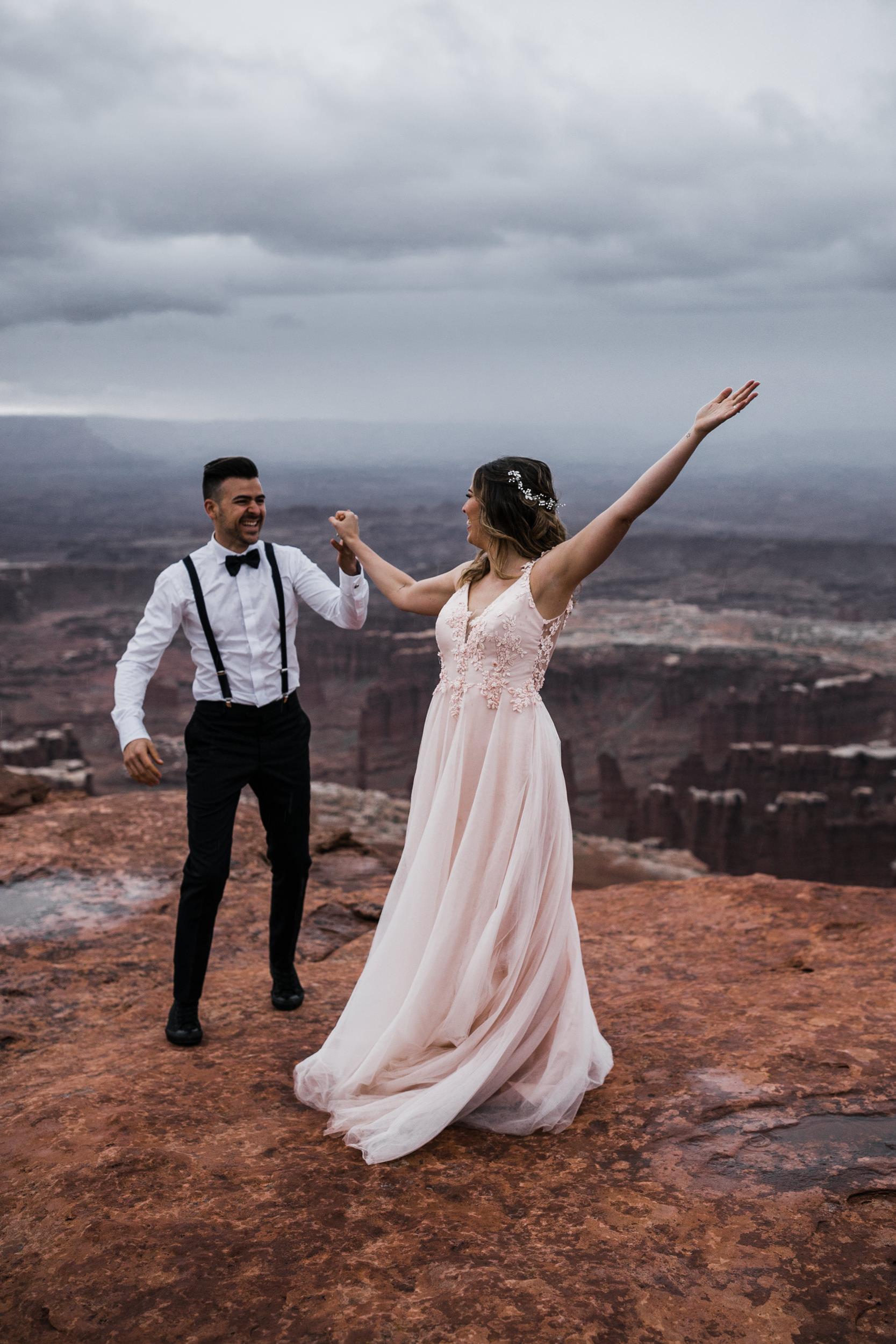 Hearnes-Elopement-Photography-Canyonlands-National-Park-Moab-Wedding-34.jpg