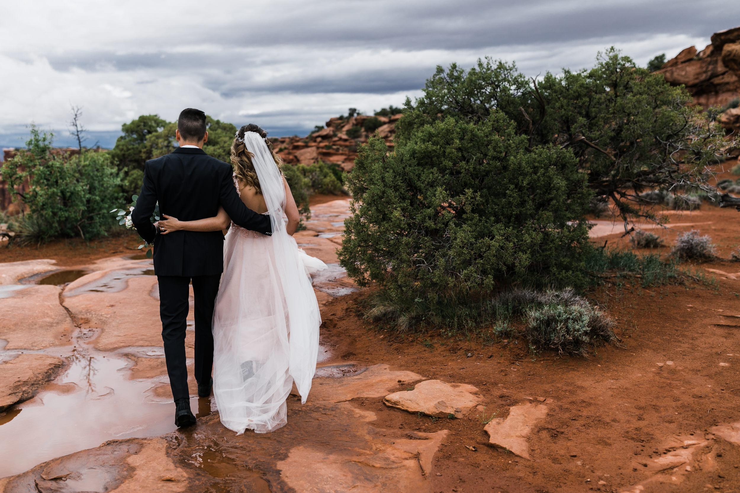Hearnes-Elopement-Photography-Canyonlands-National-Park-Moab-Wedding-3.jpg