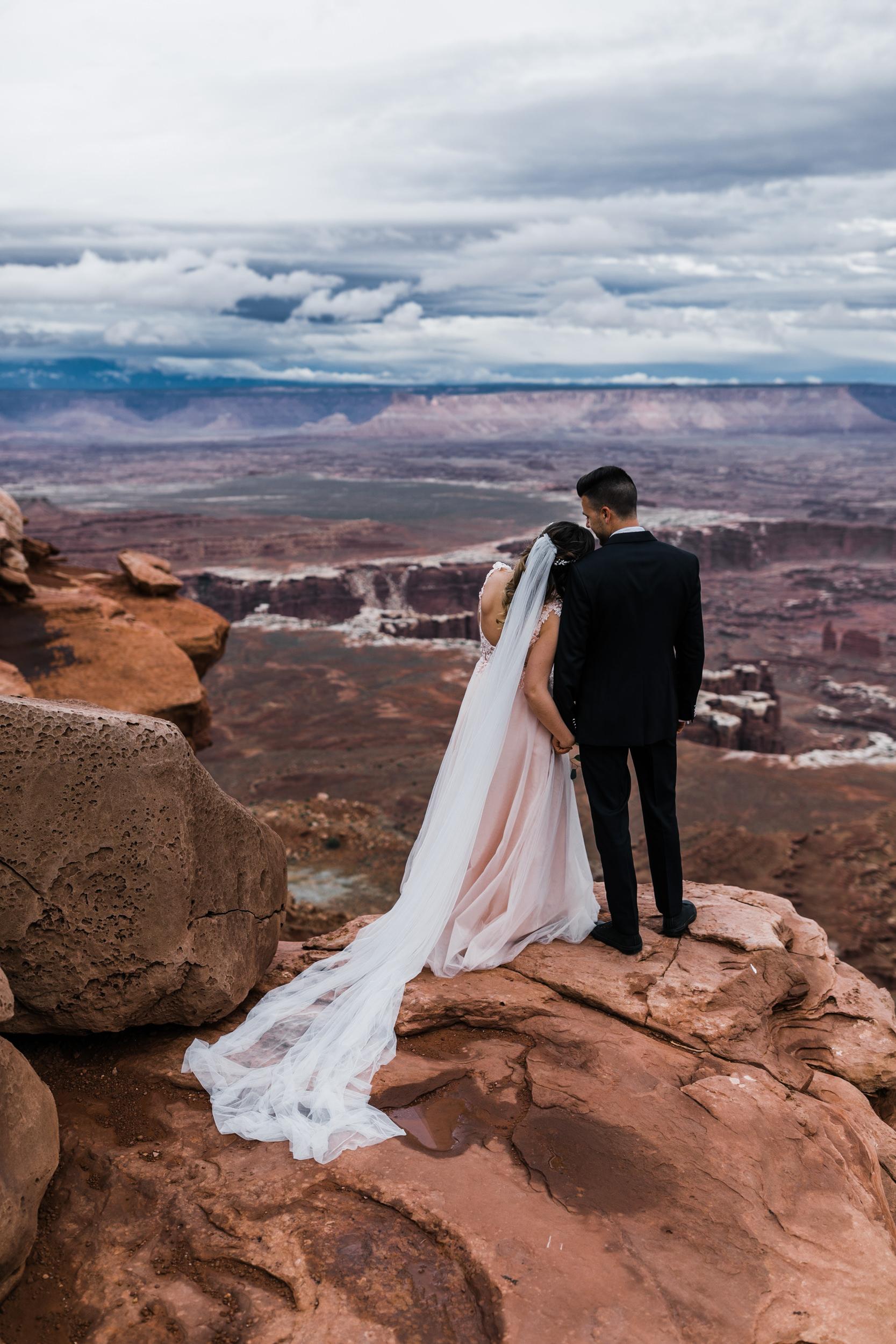 Hearnes-Elopement-Photography-Canyonlands-National-Park-Moab-Wedding-4.jpg