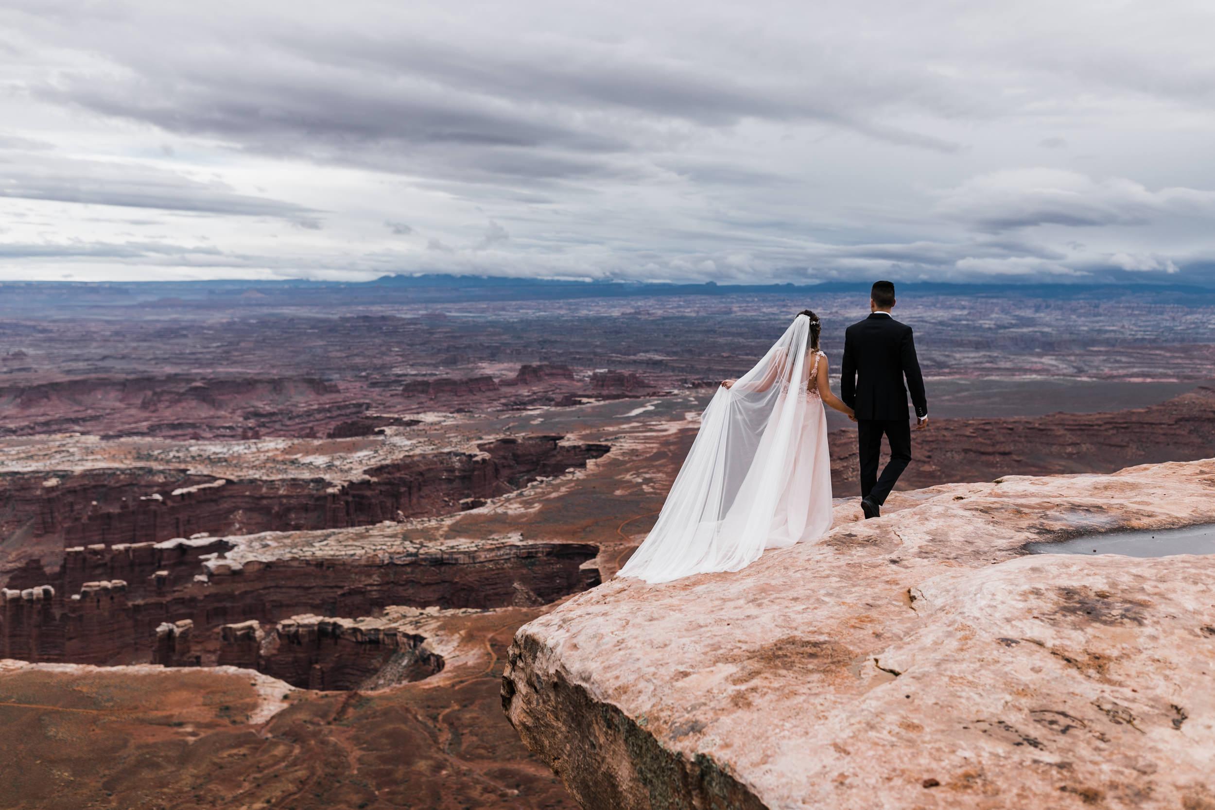Hearnes-Elopement-Photography-Canyonlands-National-Park-Moab-Wedding-5.jpg