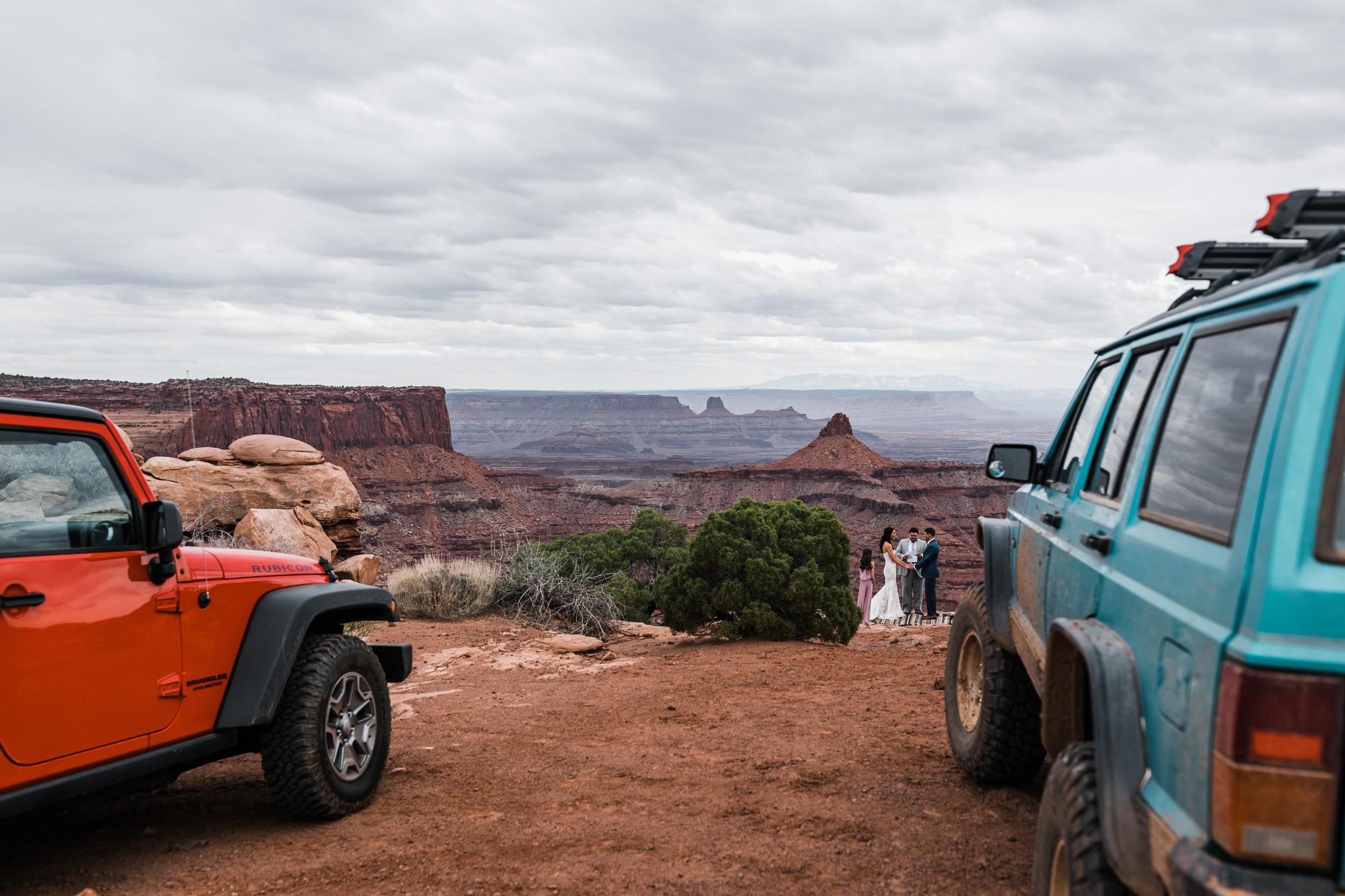 Jeep-Wedding-Moab-Utah-Hearnes-Adventure-Elopement-Photography-8.jpg