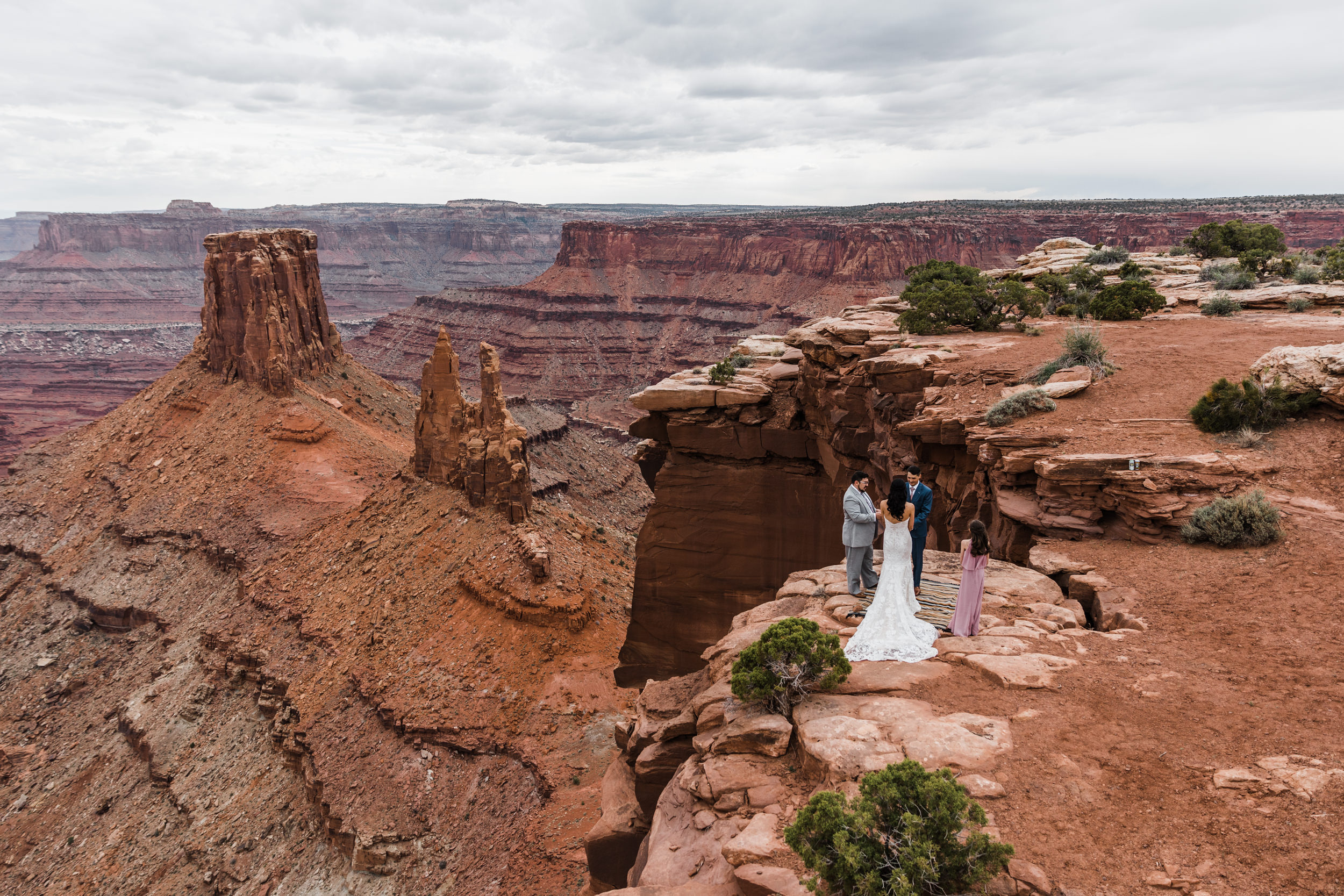 Jeep-Wedding-Moab-Utah-Hearnes-Adventure-Elopement-Photography-9.jpg