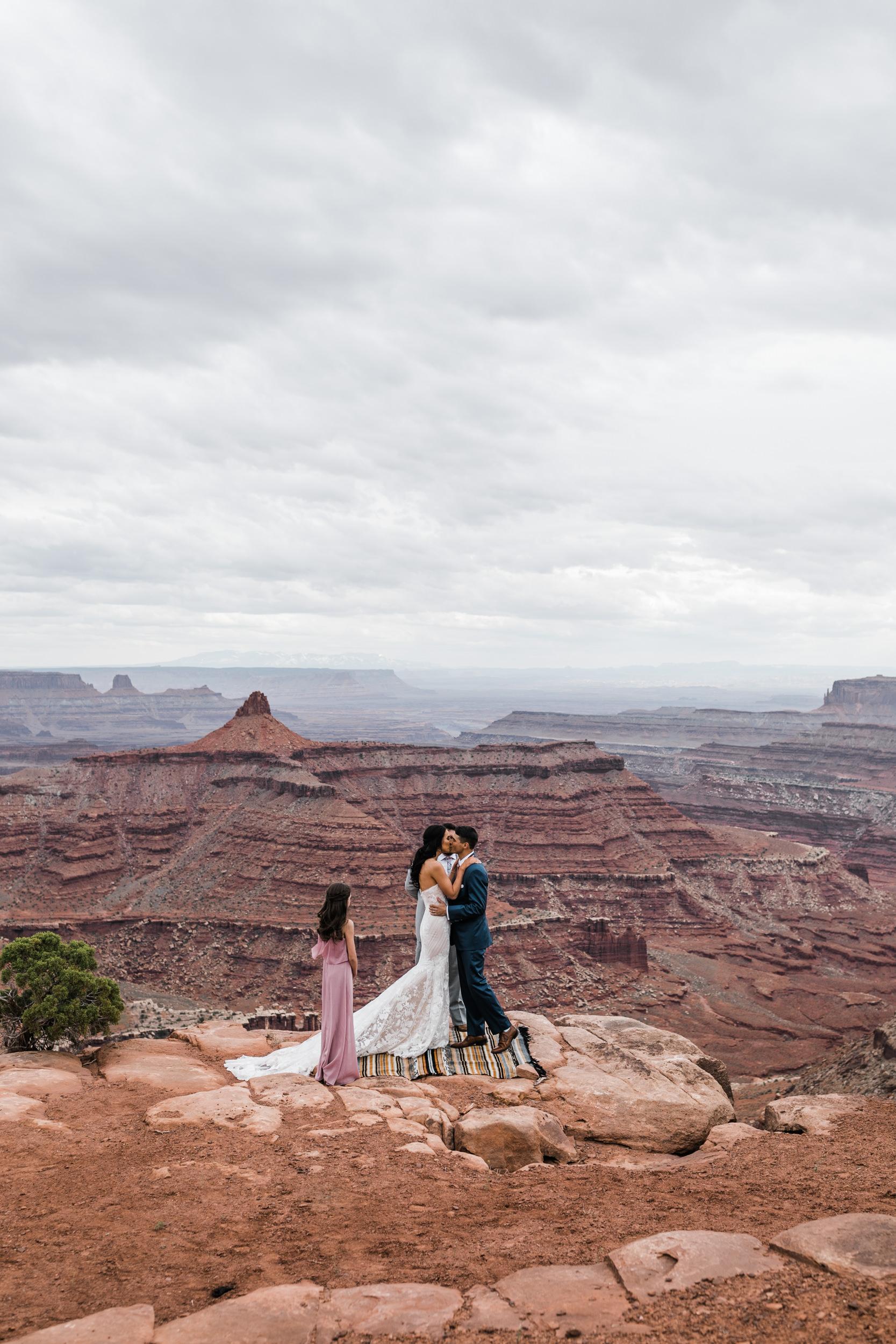 Jeep-Wedding-Moab-Utah-Hearnes-Adventure-Elopement-Photography-11.jpg