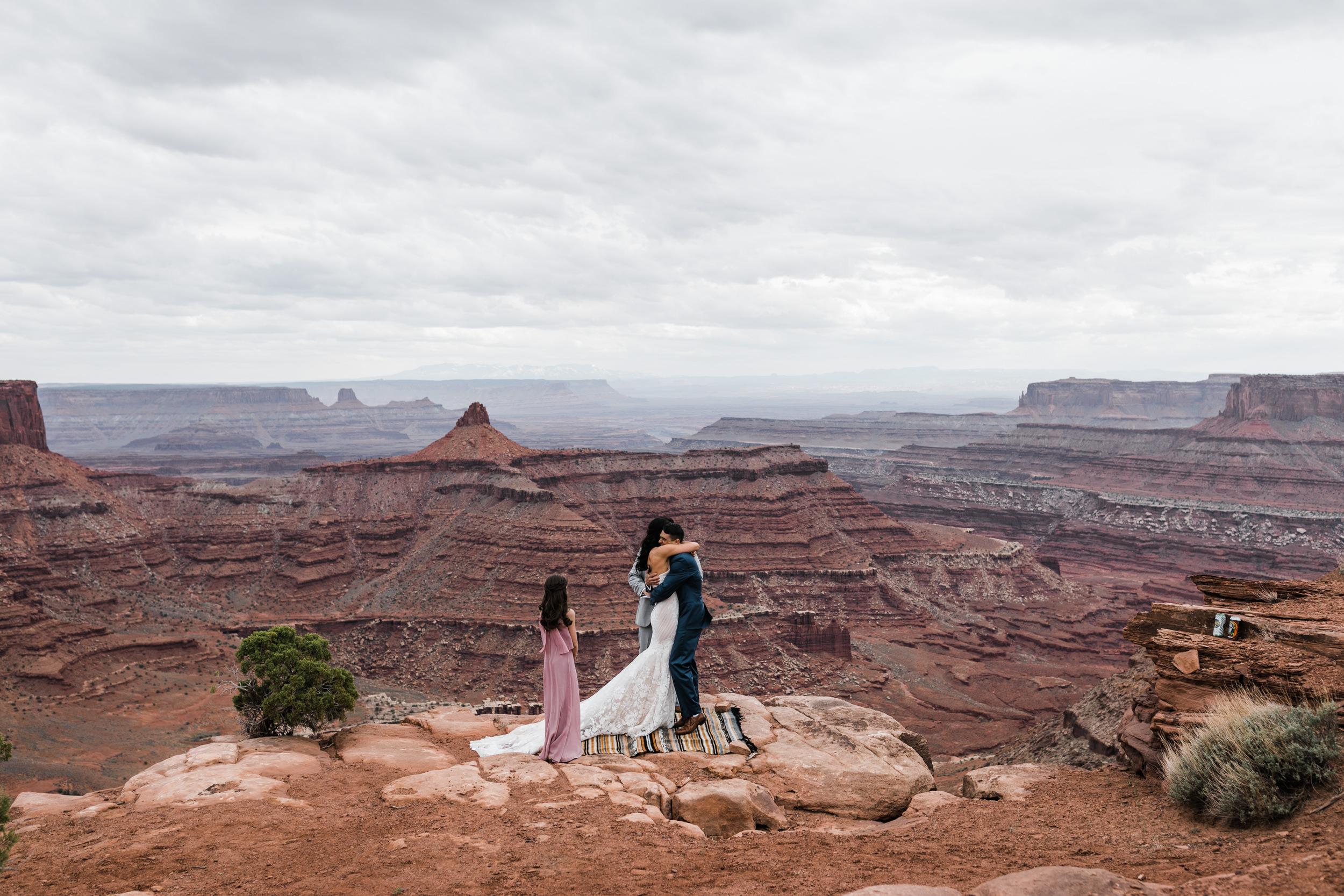 Jeep-Wedding-Moab-Utah-Hearnes-Adventure-Elopement-Photography-12.jpg