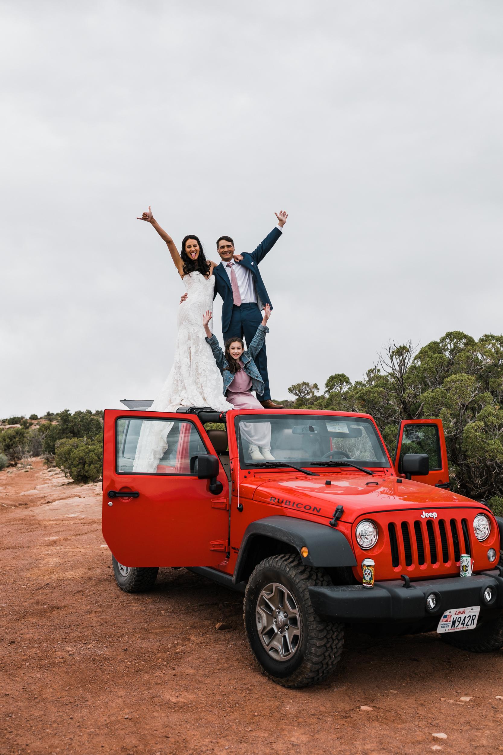 Jeep-Wedding-Moab-Utah-Hearnes-Adventure-Elopement-Photography-14.jpg