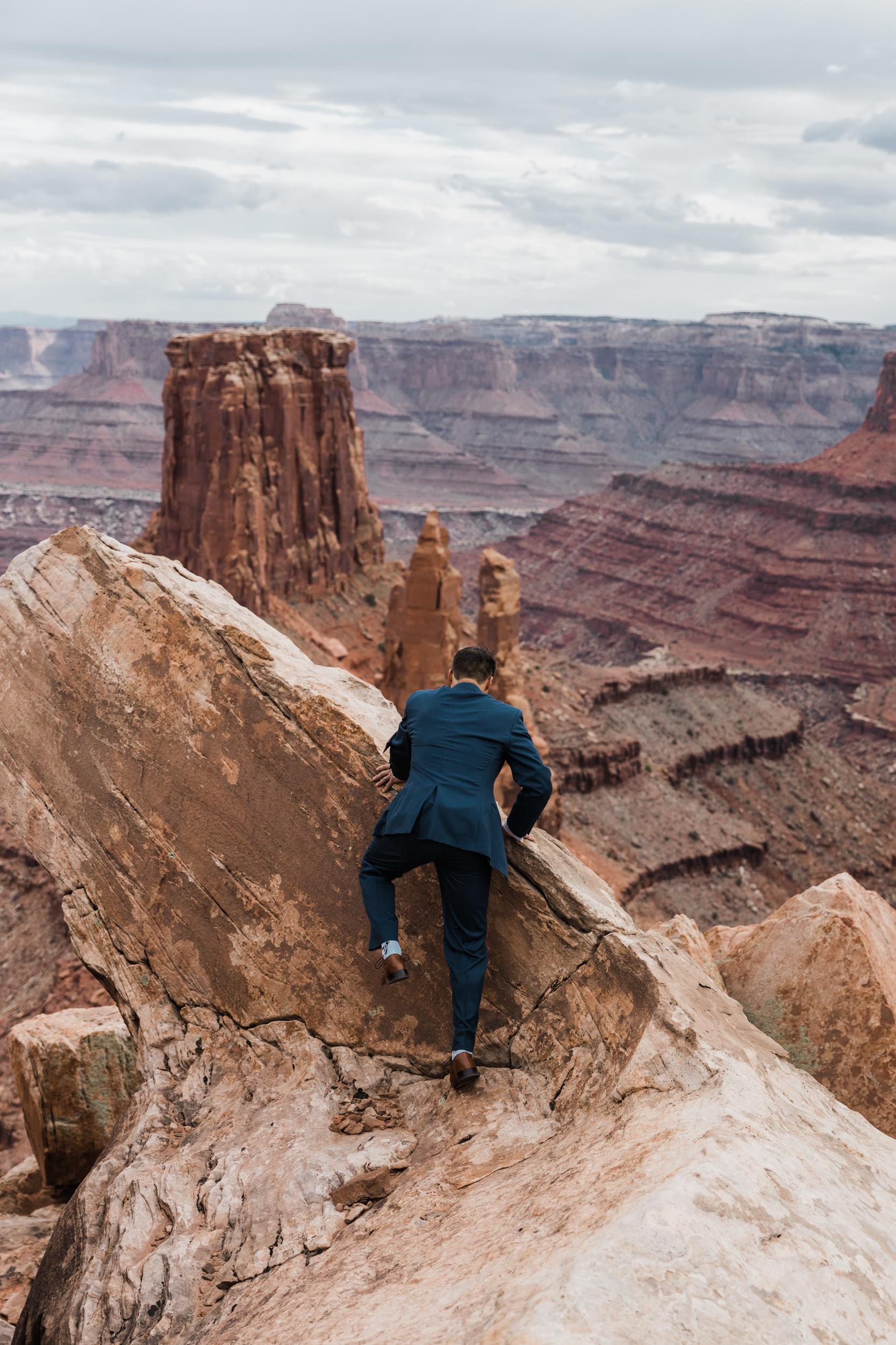 Jeep-Wedding-Moab-Utah-Hearnes-Adventure-Elopement-Photography-22.jpg
