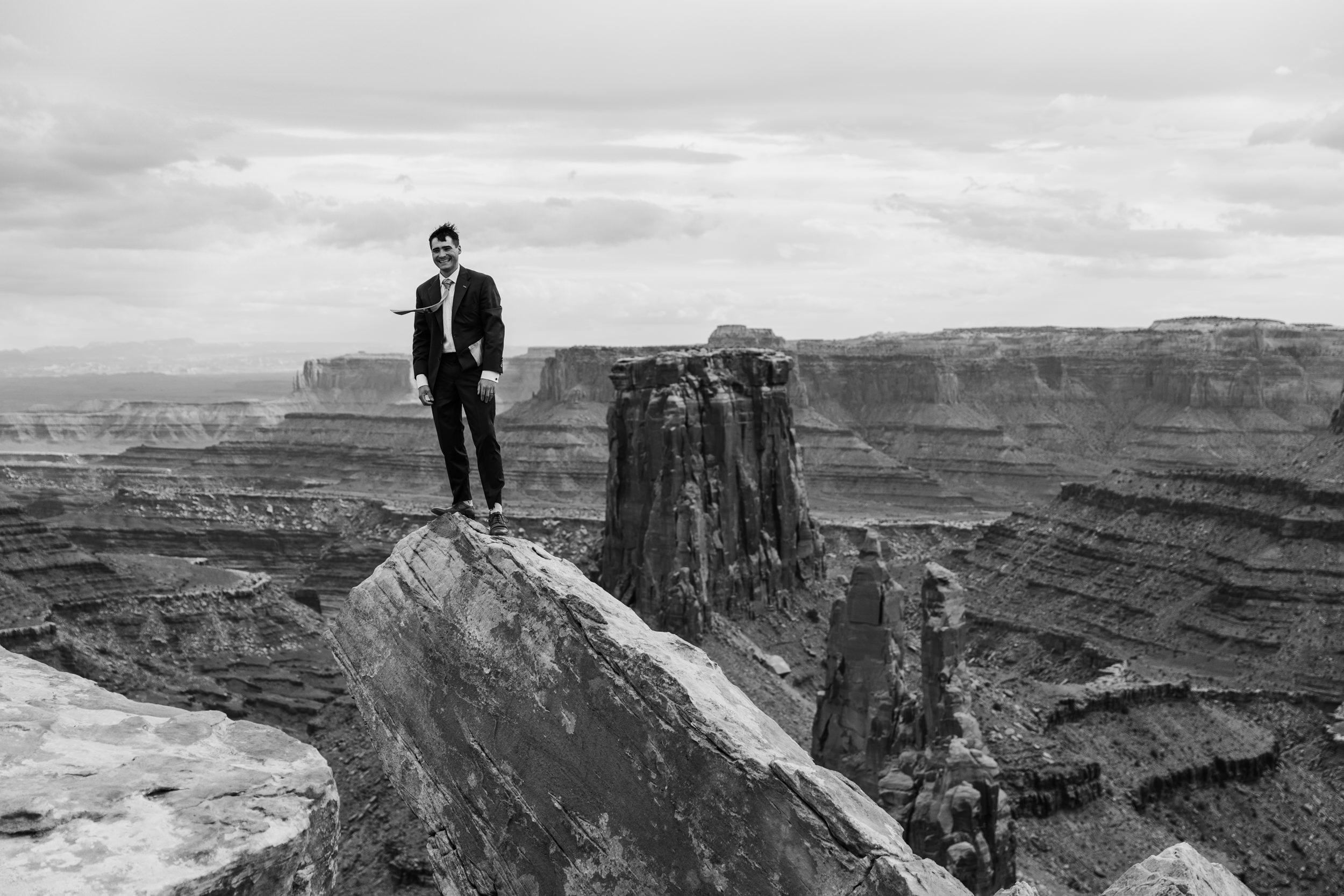 Jeep-Wedding-Moab-Utah-Hearnes-Adventure-Elopement-Photography-24.jpg