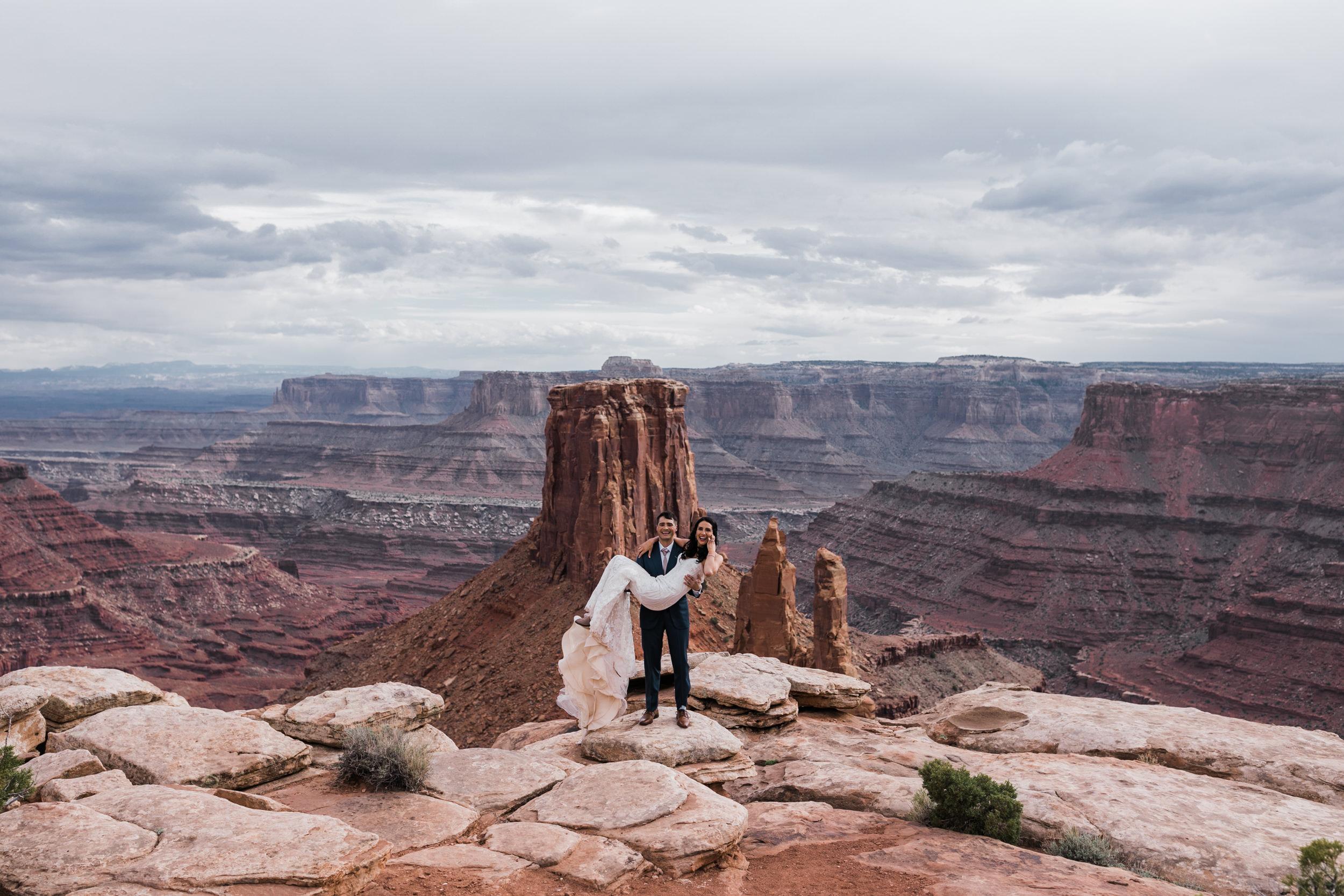 Jeep-Wedding-Moab-Utah-Hearnes-Adventure-Elopement-Photography-28.jpg