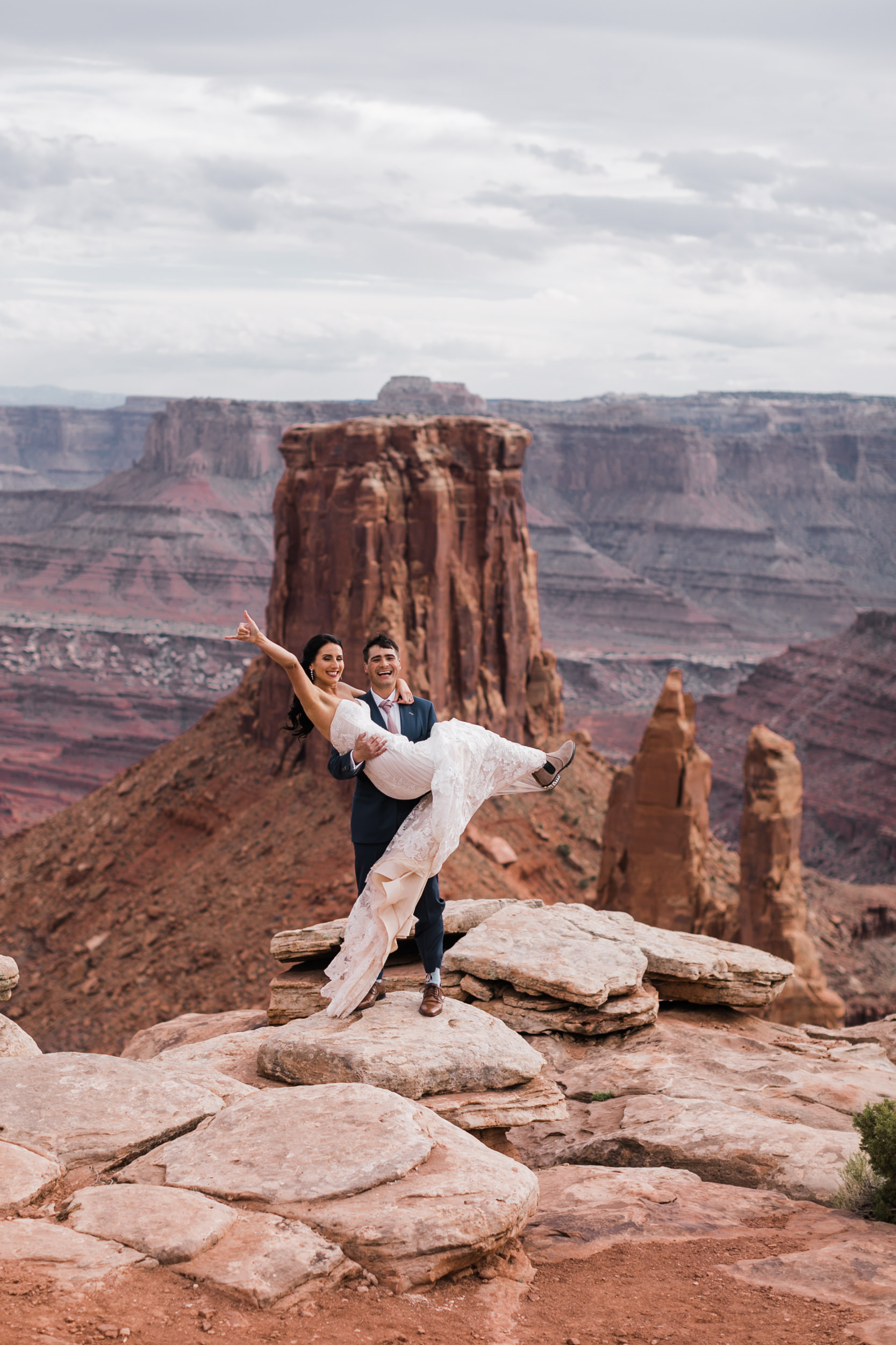 Jeep-Wedding-Moab-Utah-Hearnes-Adventure-Elopement-Photography-29.jpg