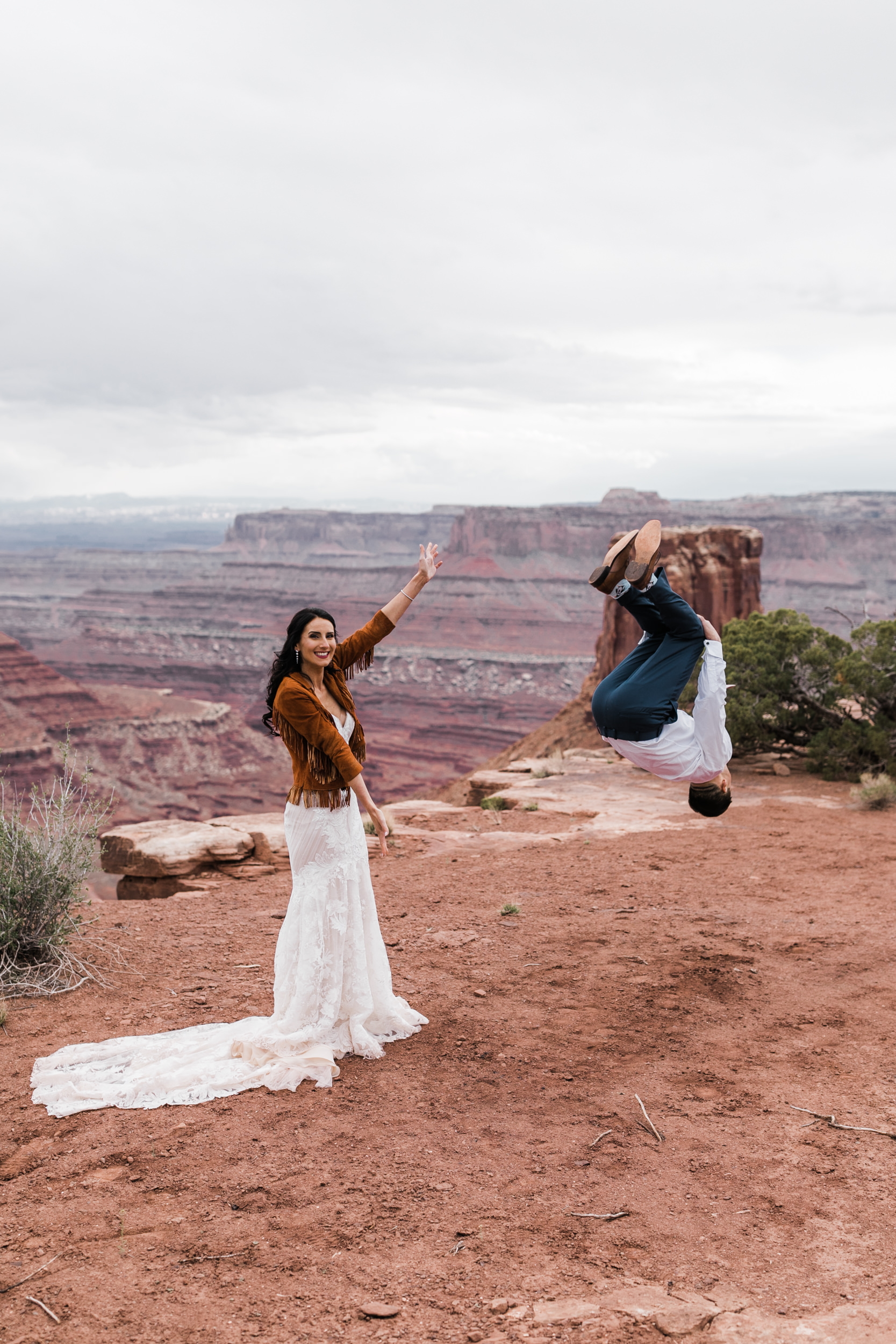 Jeep-Wedding-Moab-Utah-Hearnes-Adventure-Elopement-Photography-38.jpg