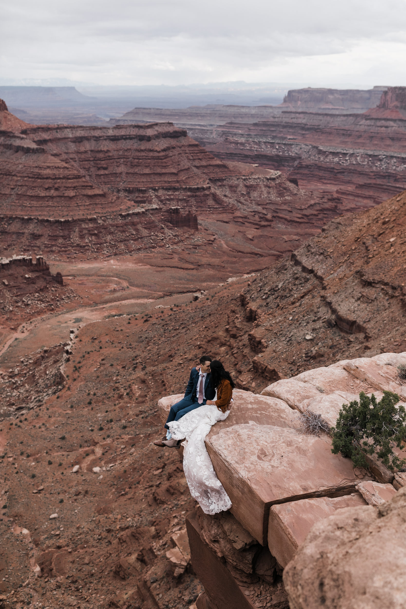 Jeep-Wedding-Moab-Utah-Hearnes-Adventure-Elopement-Photography-43.jpg