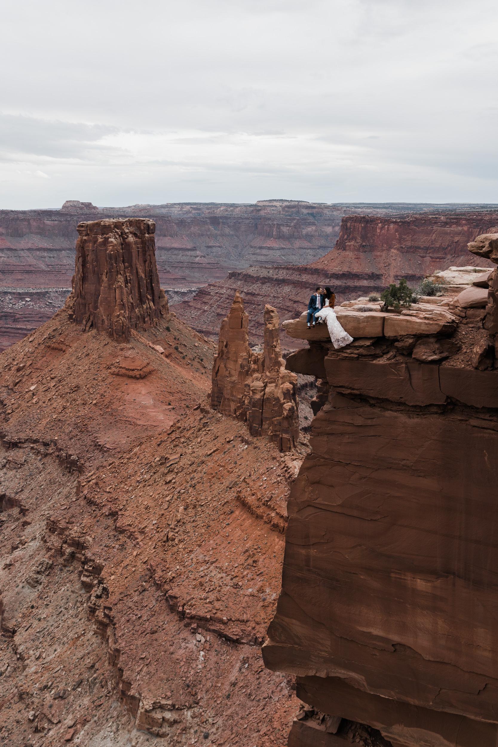 Jeep-Wedding-Moab-Utah-Hearnes-Adventure-Elopement-Photography-42.jpg