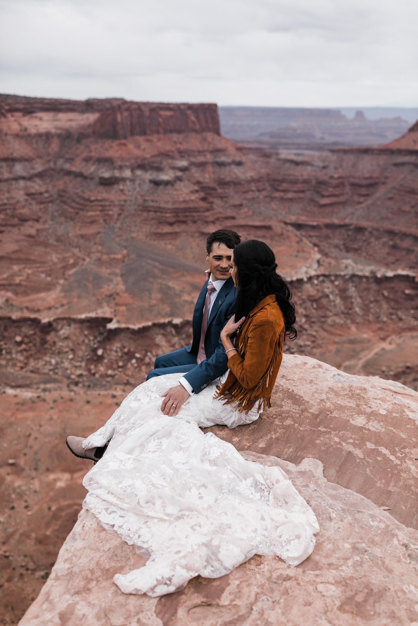 Jeep-Wedding-Moab-Utah-Hearnes-Adventure-Elopement-Photography-45.jpg