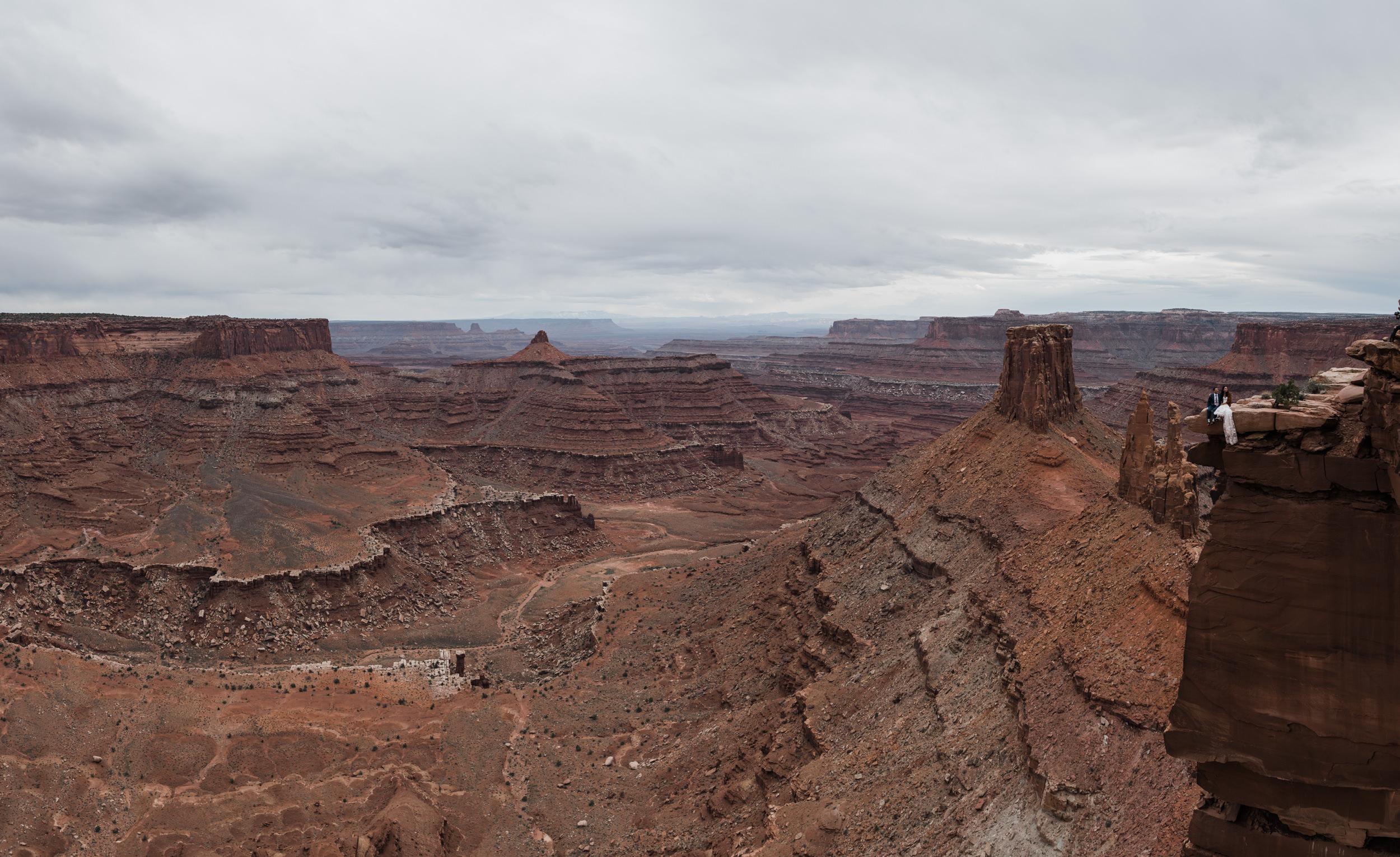 Jeep-Wedding-Moab-Utah-Hearnes-Adventure-Elopement-Photography-44.jpg