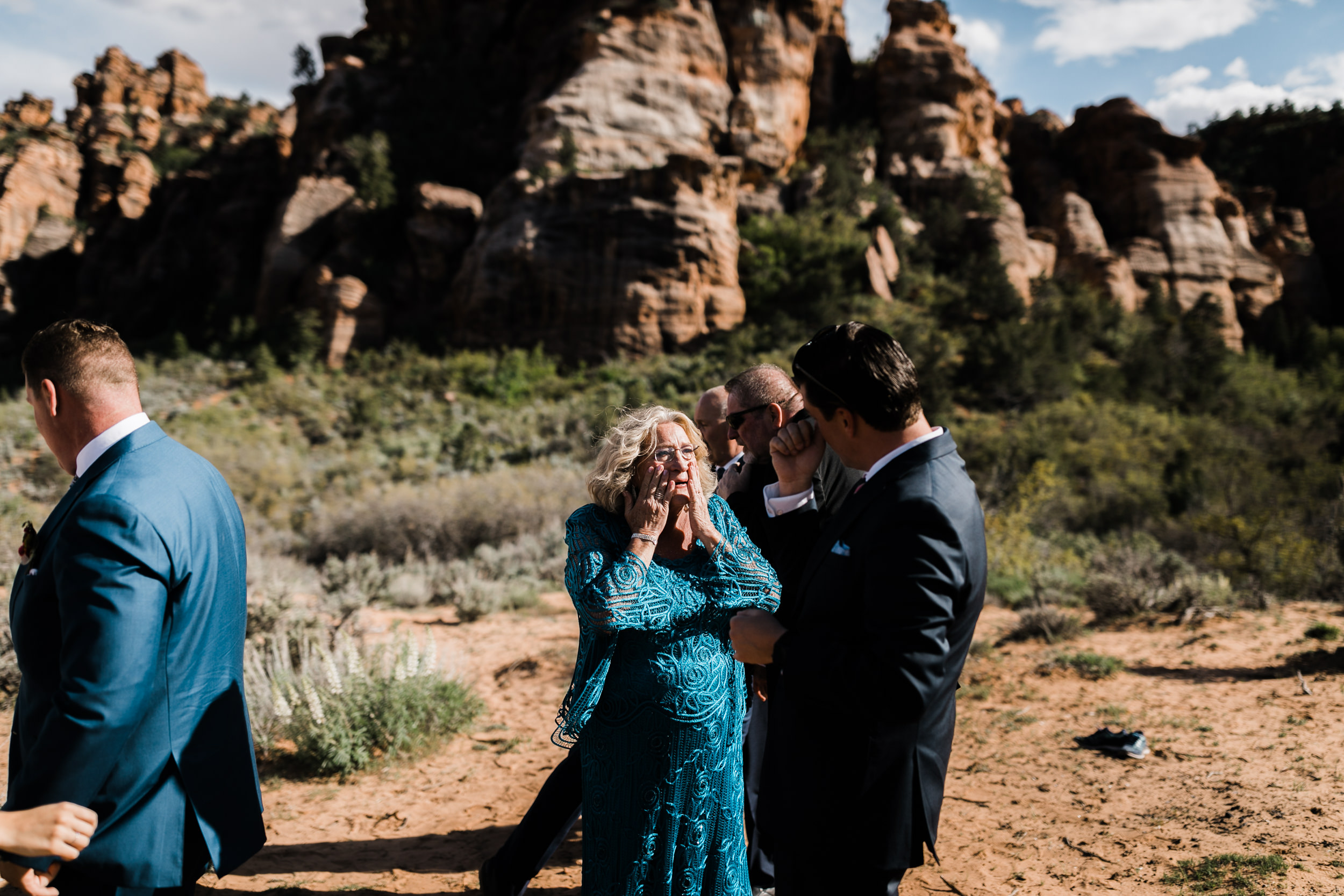 Zion national park elopement photographer | intimate wedding in the desert | small wedding ideas | the hearnes adventure photography
