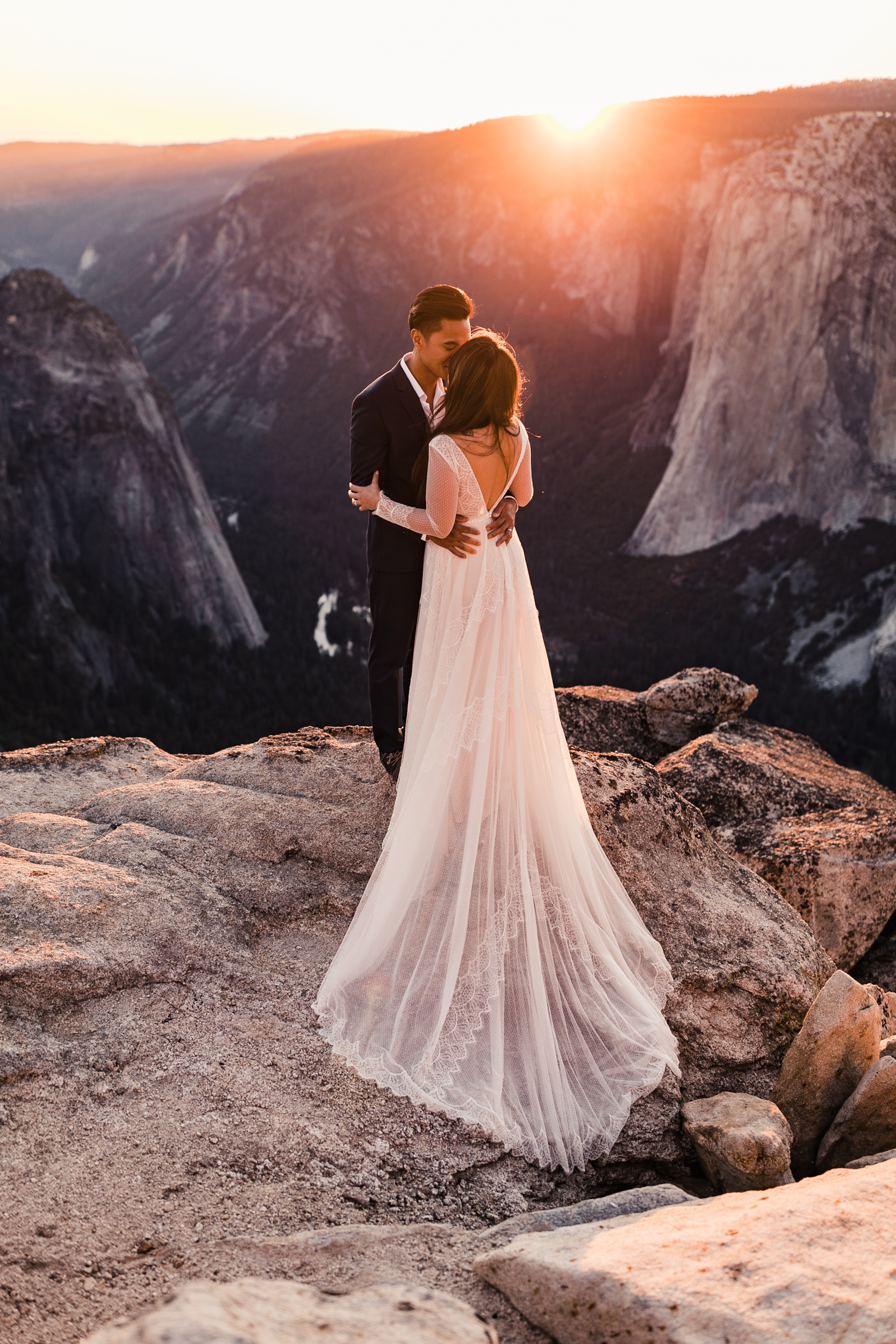 adventurous elopement portrait session in yosemite national park | taft point hiking wedding photography | the hearnes