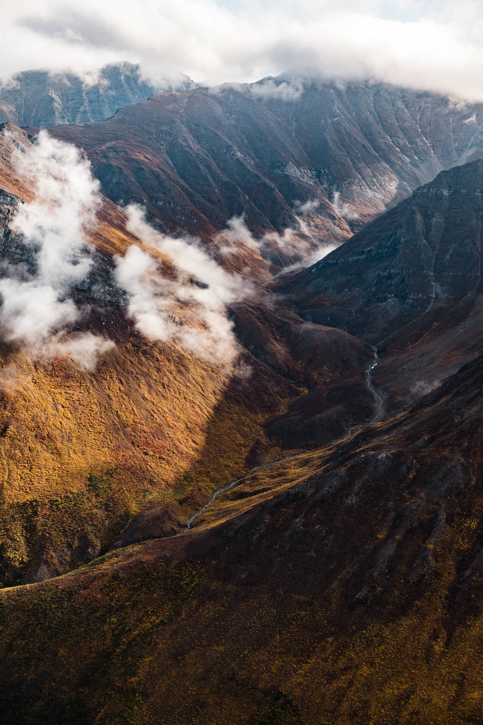 Flight tour and Landing in Anaktuvuk Pass inside Gates of the Arctic National Park in northern Alaska | The Hearnes Adventure Wedding Photography