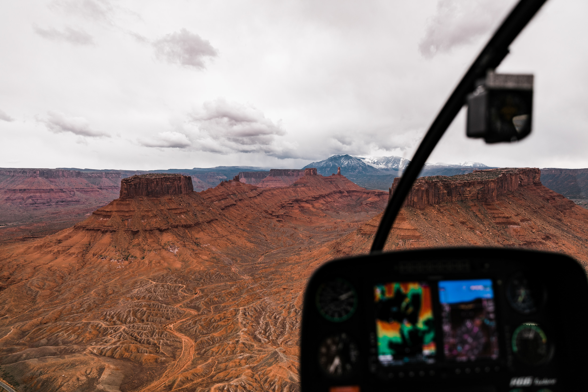 Aerial Photography from Helicopters and Airplanes | How to get epic photos on your flight seeing tour in Moab, Utah | The Hearnes Adventure Photography
