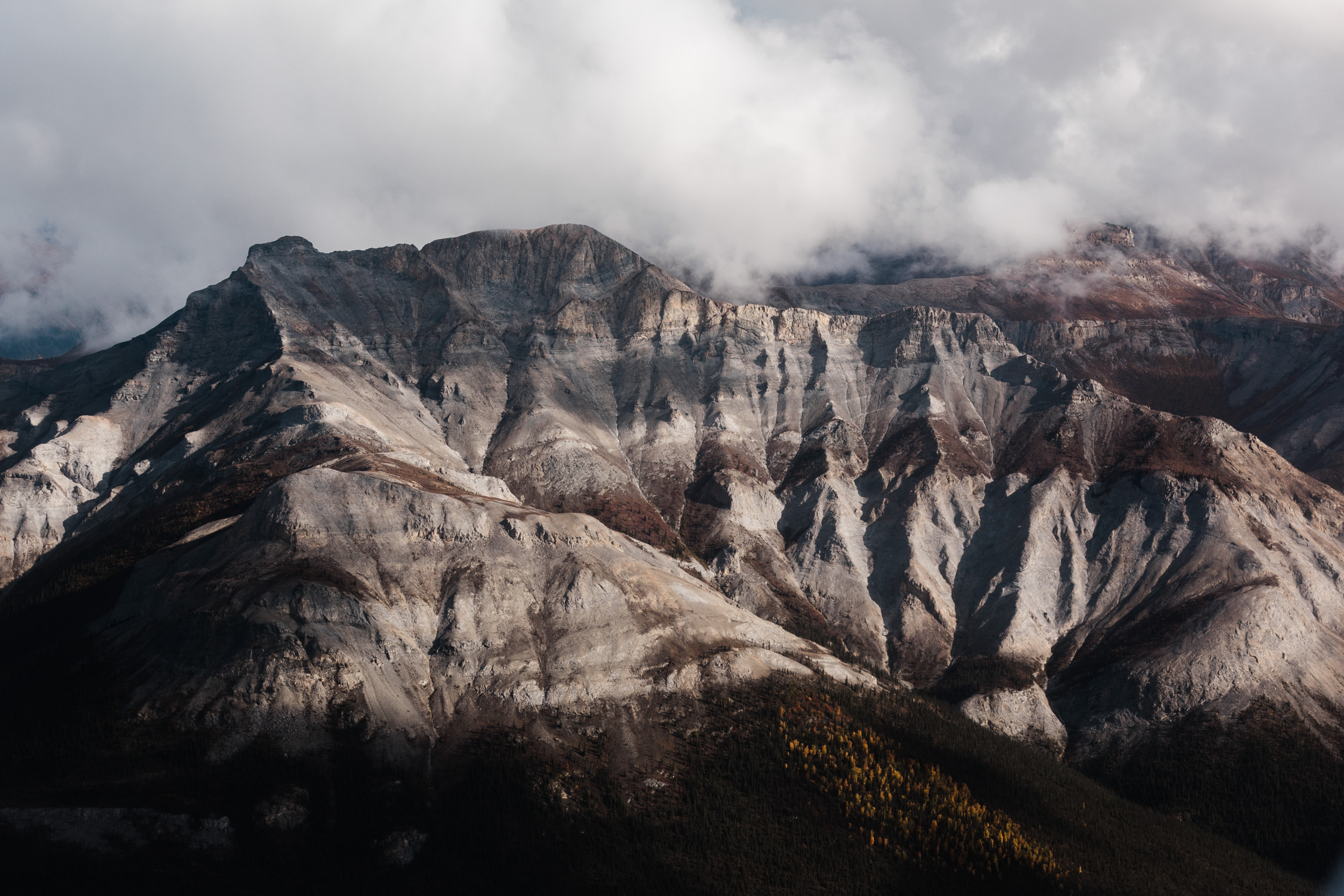 Aerial Photography from Helicopters and Airplanes | How to get epic photos on your flight seeing tour in Gates of the Arctic national Park, Alaska | The Hearnes Adventure Photography