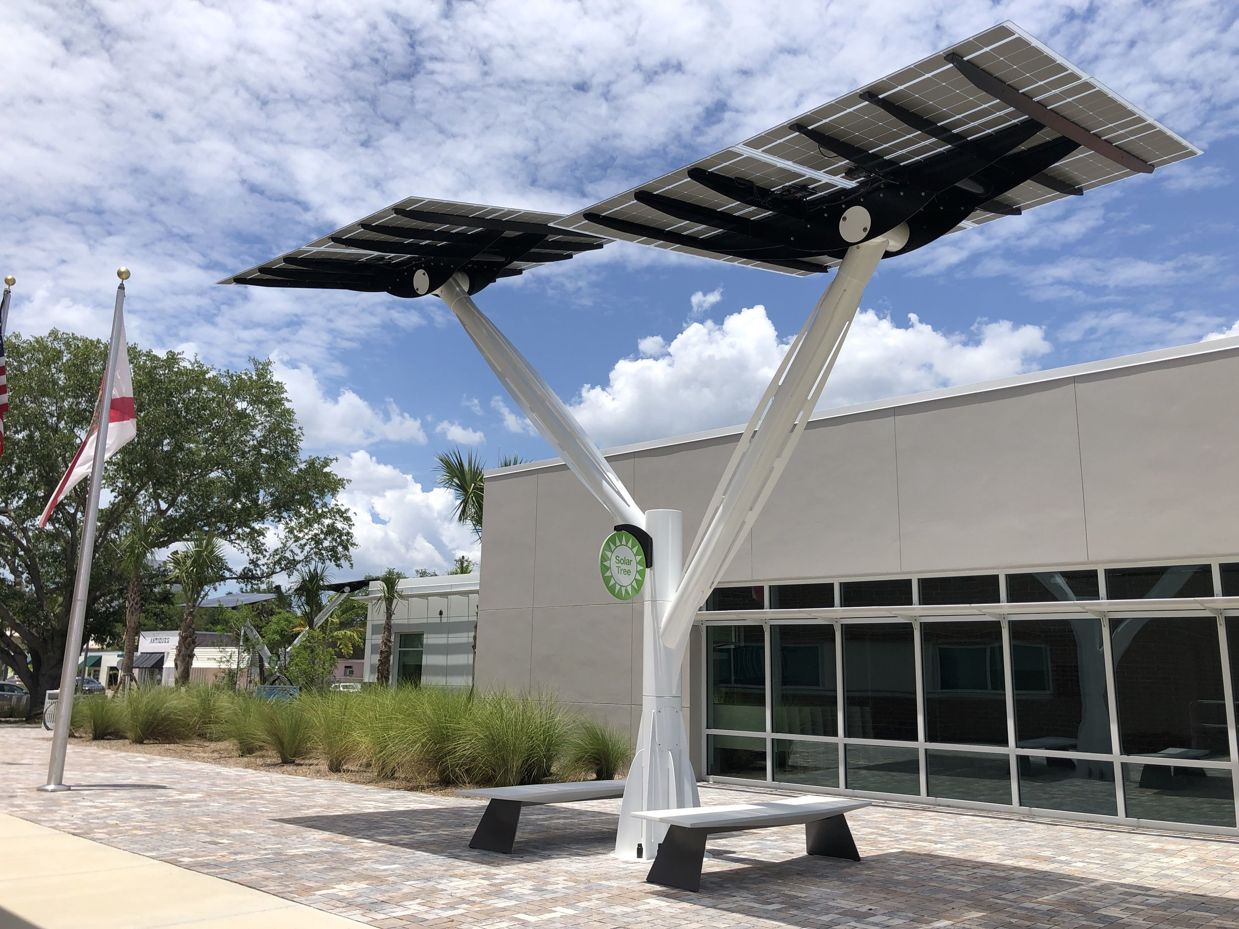Ft Myers fire station Spotlight Solar tree.JPG