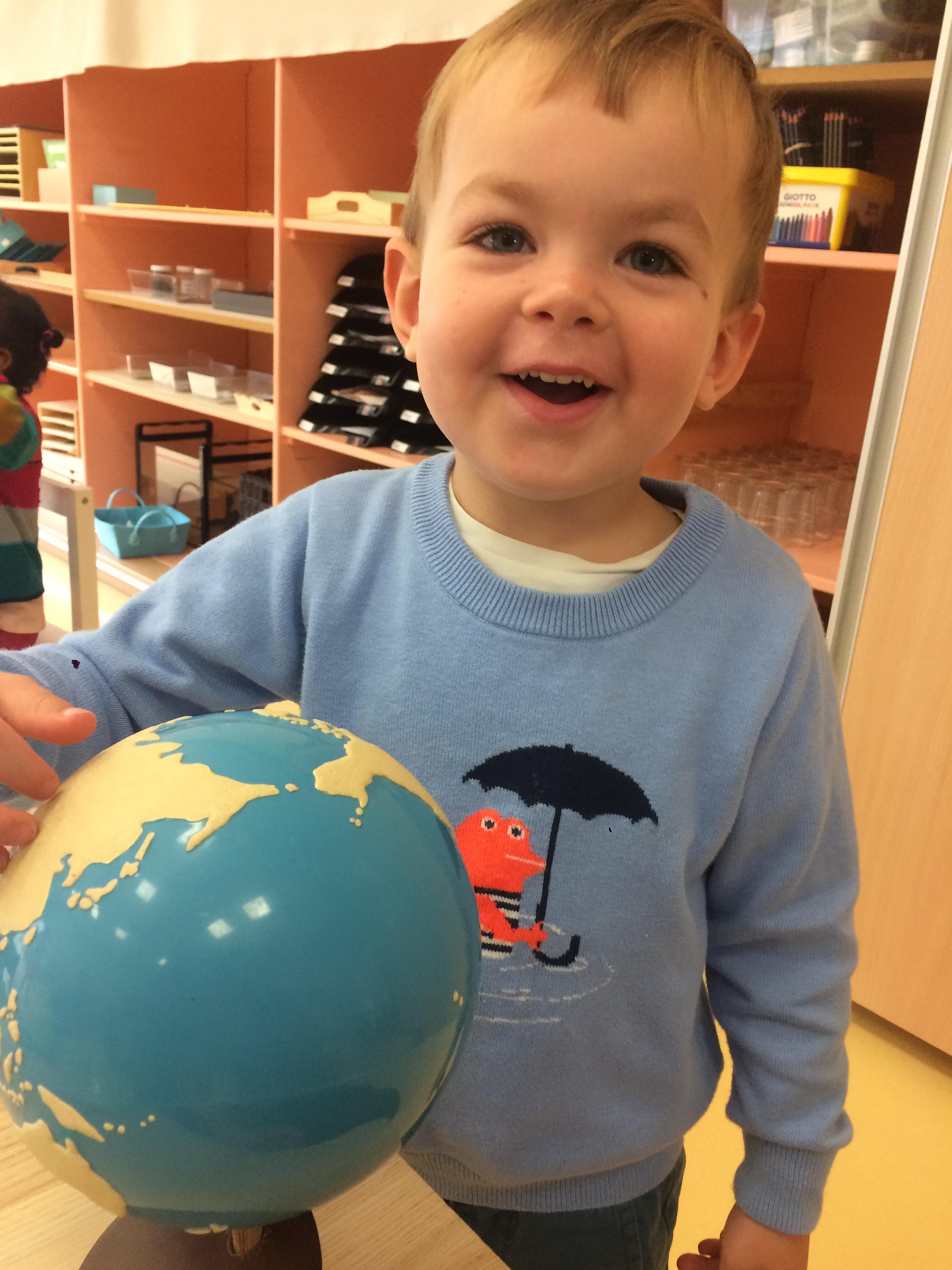 Globe terres et mers (2).JPG