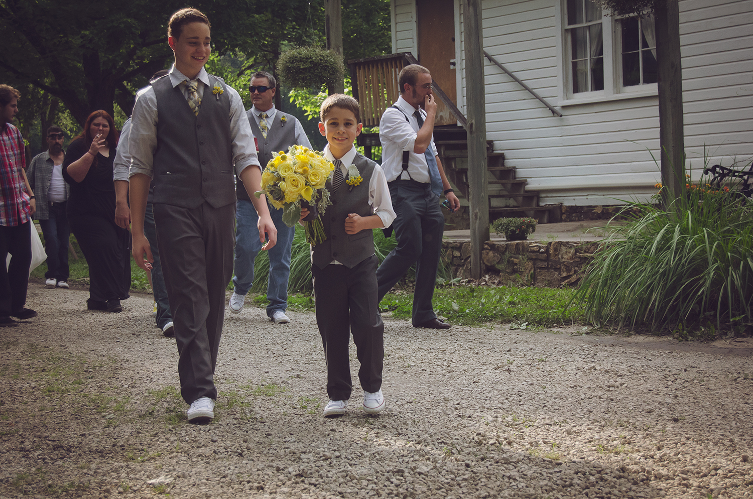 Both of their children were the absolute center of Julia and Davids happiness and boy did they look sharp!