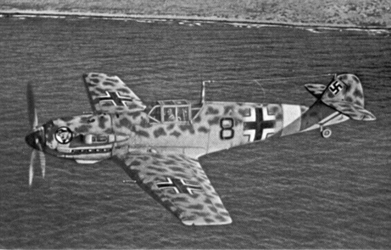 Me 109E in 1941 off the African coast