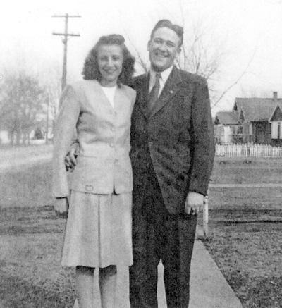 Betty Lou Barkus and Maynard LeRoy Jones 1946, location unknown