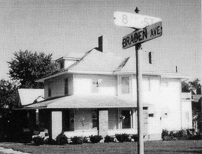 Shutts' Boarding House, Chariton, Iowa, 1989
