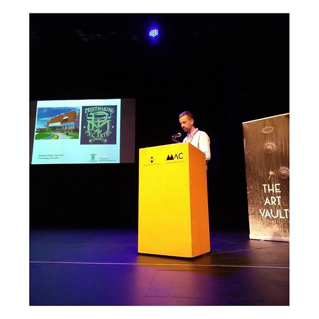 Talk about imposter syndrome- here's me delivering a talk along with contemporary Australian printmaking greats @ronagreenart and @drawingacrowd at the @apt_mildura! Had a blast at the triennial - it was great to see so much quality printmaking and catch up with so many legends. Thanks for having me and thanks to all the organisers and volunteers! . . #aptmildura #2018apt #australianprinttriennial #packingmyselfaway