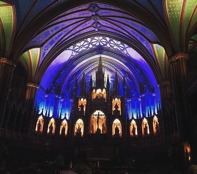 Just wrapped up our Syn Studio event at Notre Dame Basilica! They booked out the entire church just for us so we could see the Aura show by ourselves 😱 Thank you @momentfactory !! #aura #momentfactory #montreal #notredamebasilica #synstudio