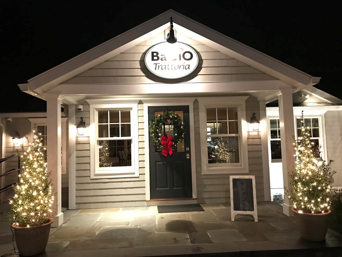 CHRISTMAS EVE  11.00 AMTO  3.00 PMCLOSED DINNER  CLOSED CHRISTMAS DAY  MONDAY DECEMBER 26DINNER ONLY  TUESDAY  TO SATURDAYOPEN LUNCH AND DINNER   CLOSED NEW YEARS DAY    WE ARE TAKING RESERVATIONS FOR NEW YEARS EVE