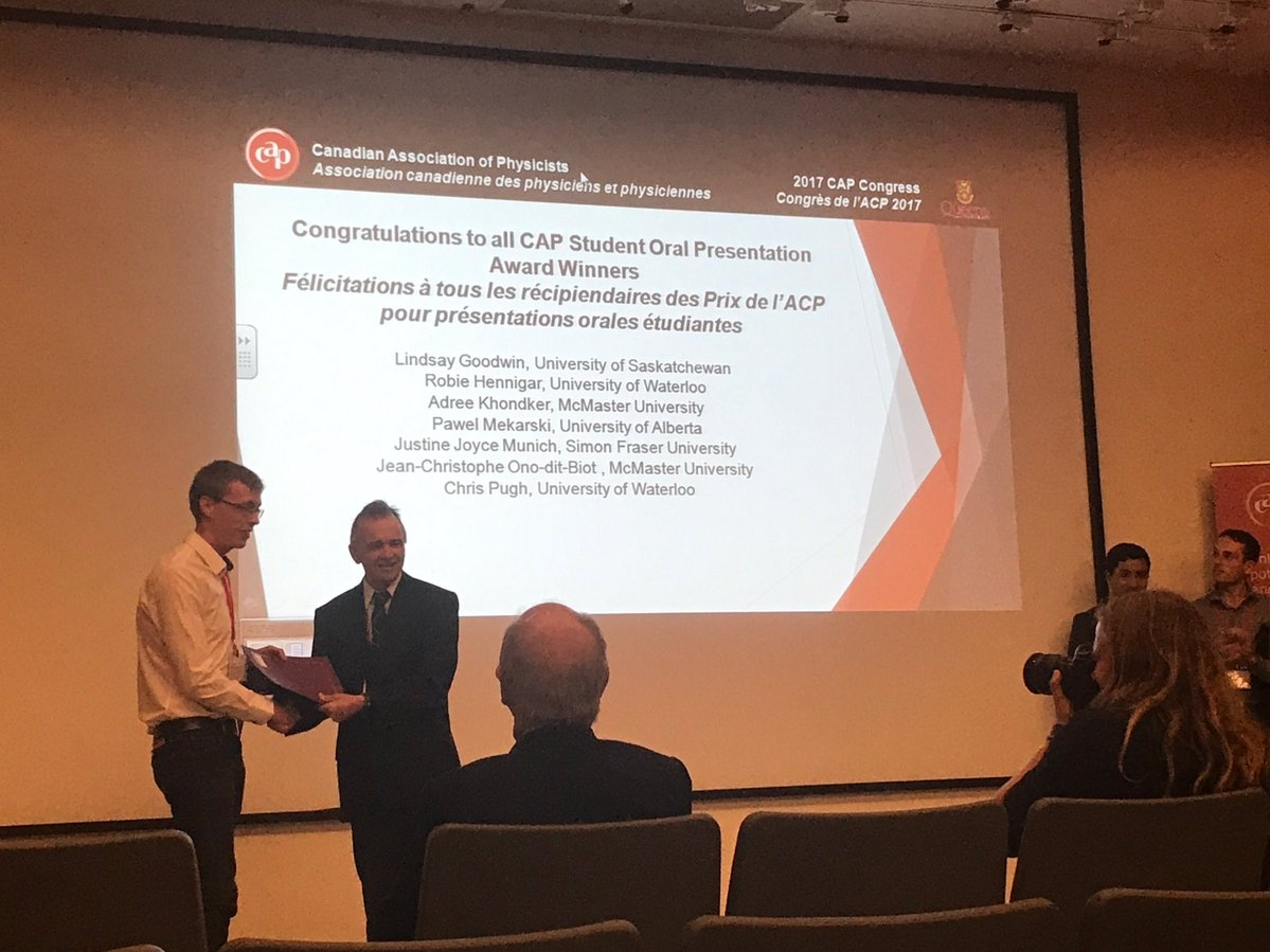 Jean-Christophe Ono-dit-Biot received first prize for his presentation at the CAP congress.