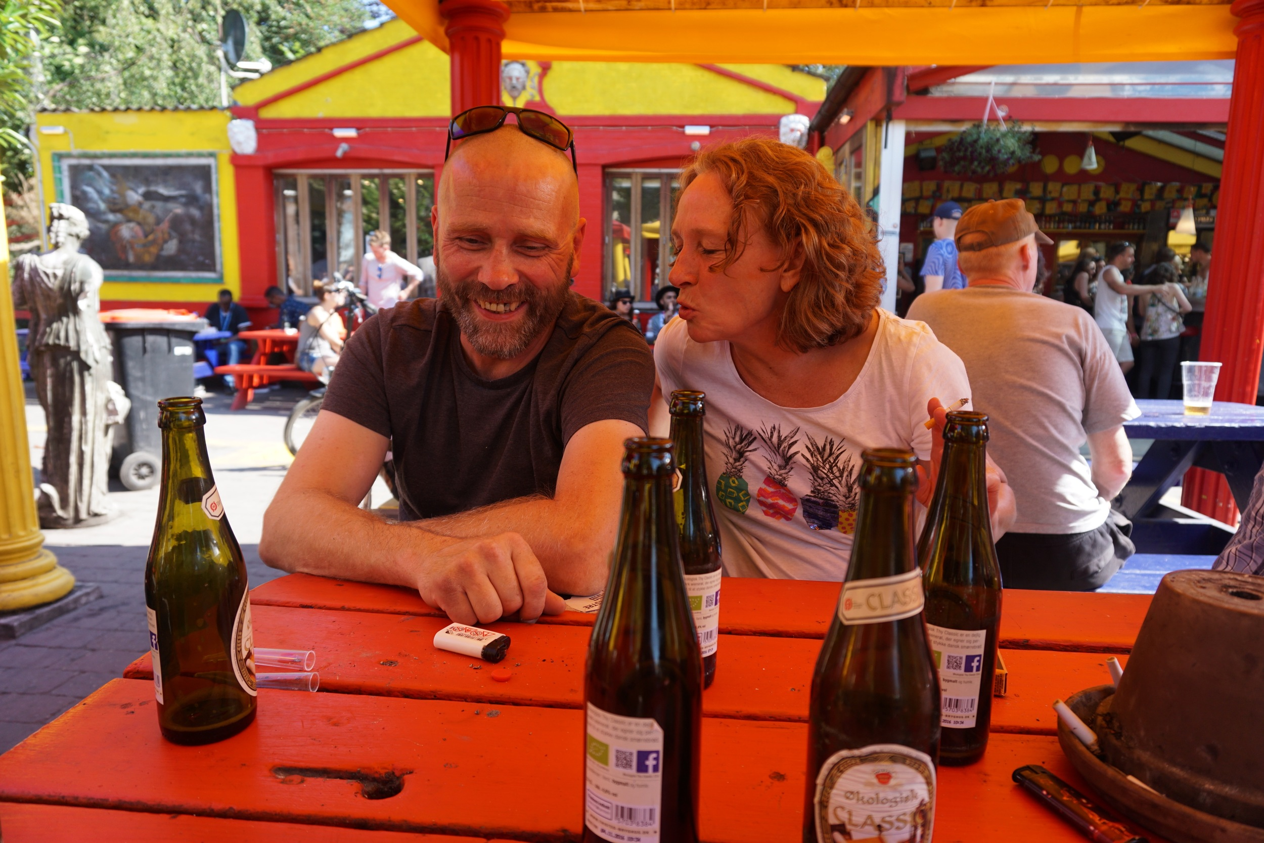 Some beers and good conversation with this lovely couple, our new Freetown friends.