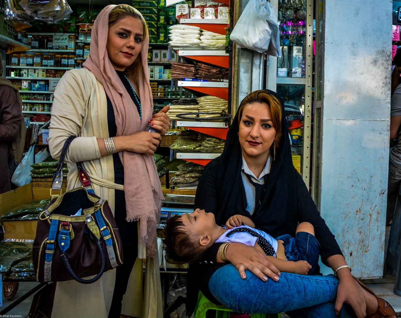 Women and child at Tajrish