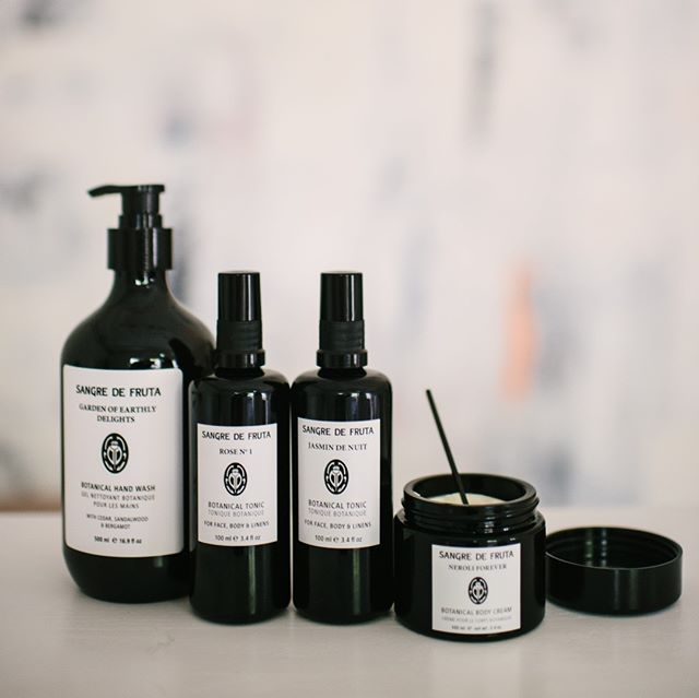 The @sangredefruta family contains water-free formulations, and are inspired by ancient beauty regimens of the Egyptians. Try it on and experience remedies of the past! #vancouverlocal #glowingskin #beautyregimens #beautyremedies