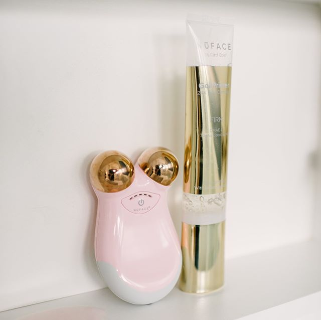 The Trinity Facial Toning Device and Gel Primer from @mynuface are a golden combination! Use the primer after your facial treatment for a flawless finish. #facialtoner #glowingskin #skincareaddict #gelprimer #facialtreatment