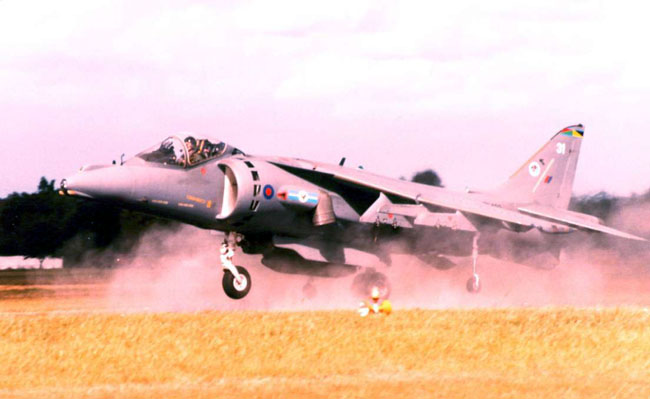 In contrasting grey camouflage ZD402/31 of 1 Sqn blasts off the runway at Farnborough in 1998 (Author)