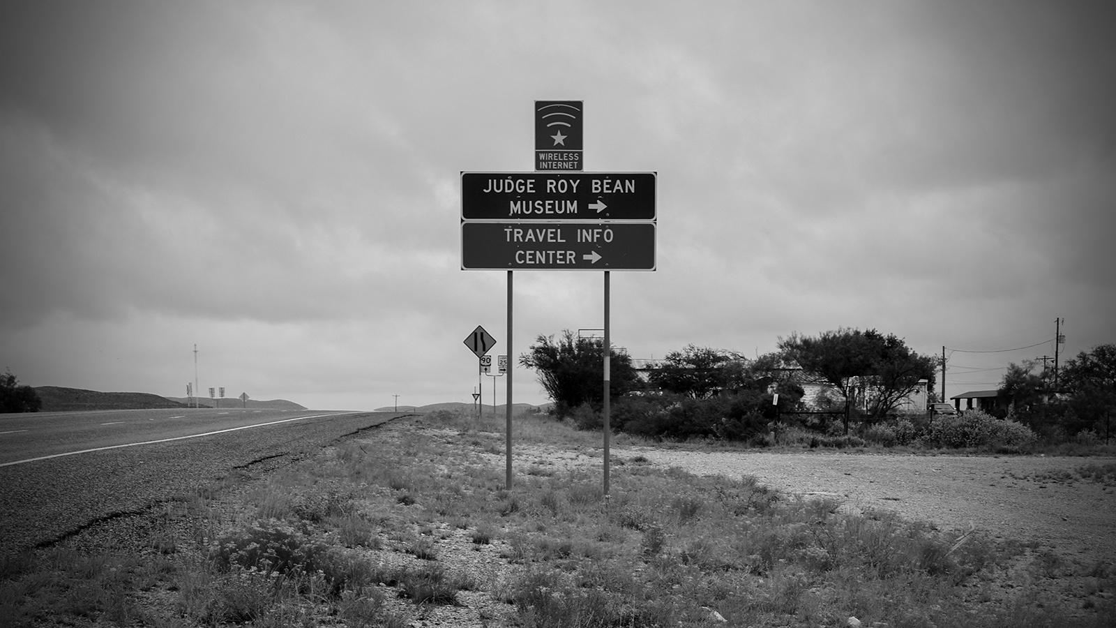 signage on US 90